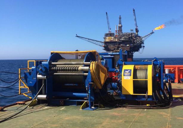 JFO back deck hydraulic winches.