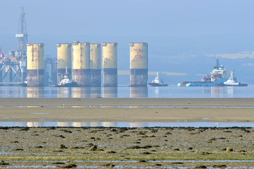 The Hutton TLP makes its way up the Cromarty Firth on its way from its mooring to the Queens Dock.