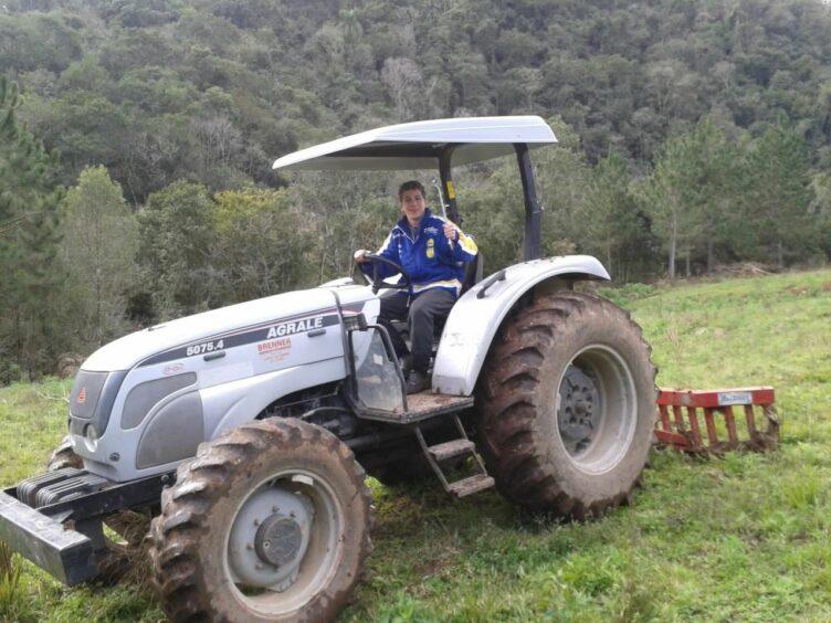 Natan working at the tobacco farm in Progresso.