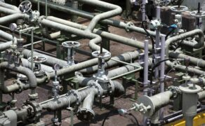 Oil price to gain on Asian fuel switching from LNG