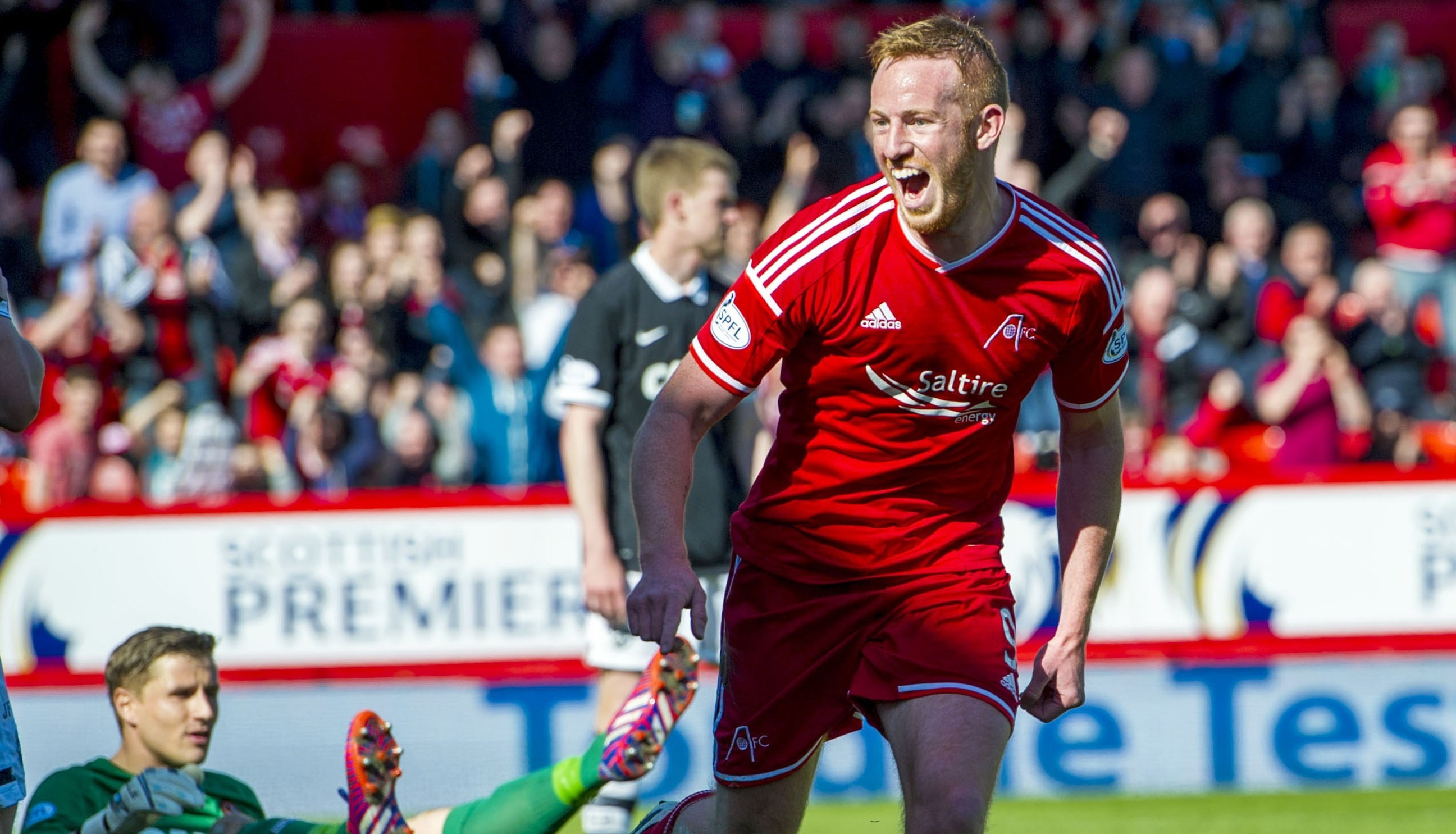 Adam Rooney has been called up to the Ireland squad.