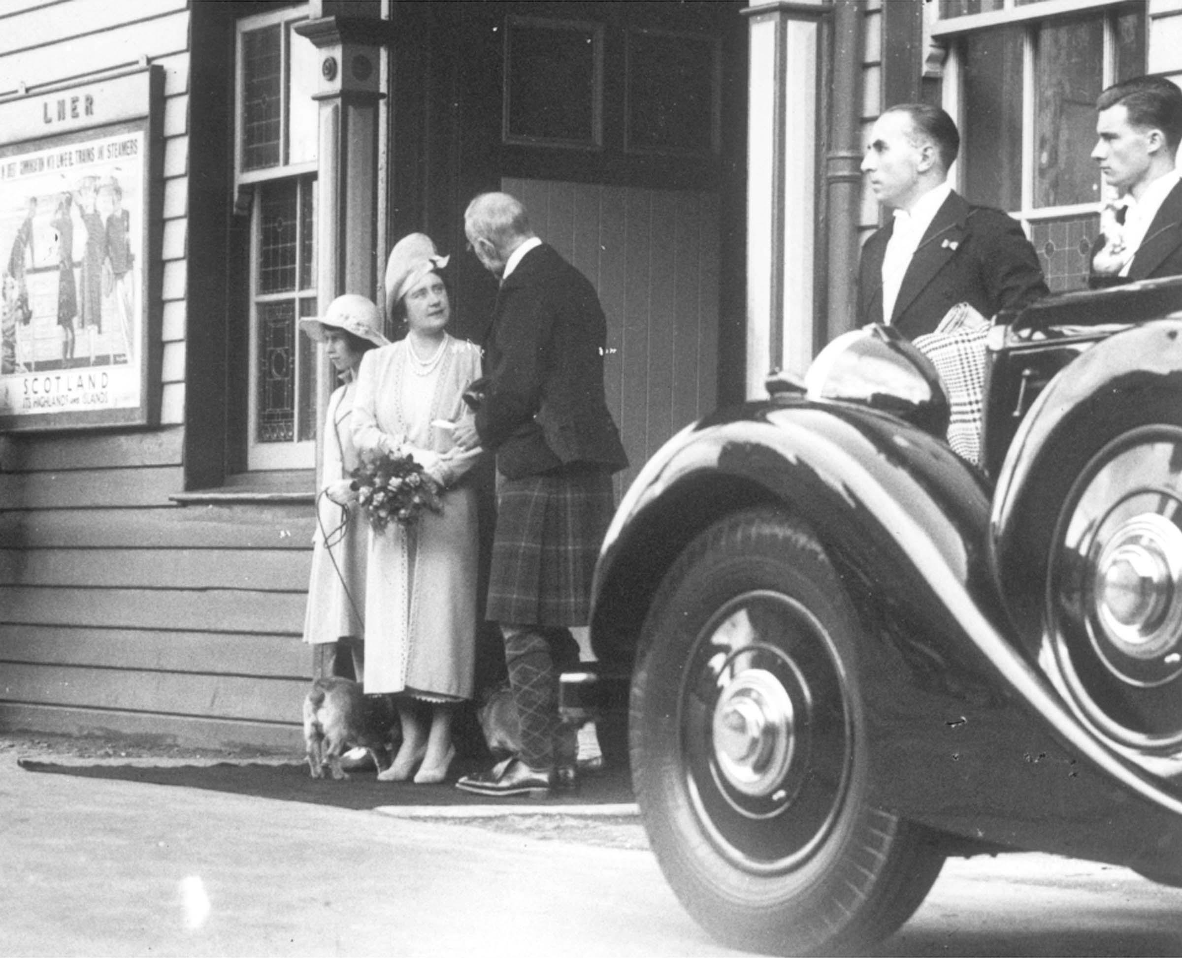 Princess Elizabeth arrives at Ballater station in 1939.