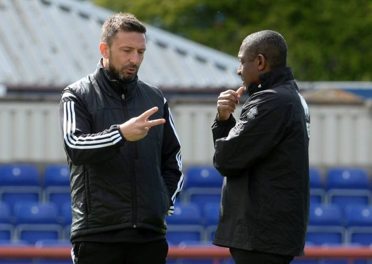 Aberdeen manager Derek McInnes (left) speaks with ICT assistant manager Russell Latapy ahead of kick off