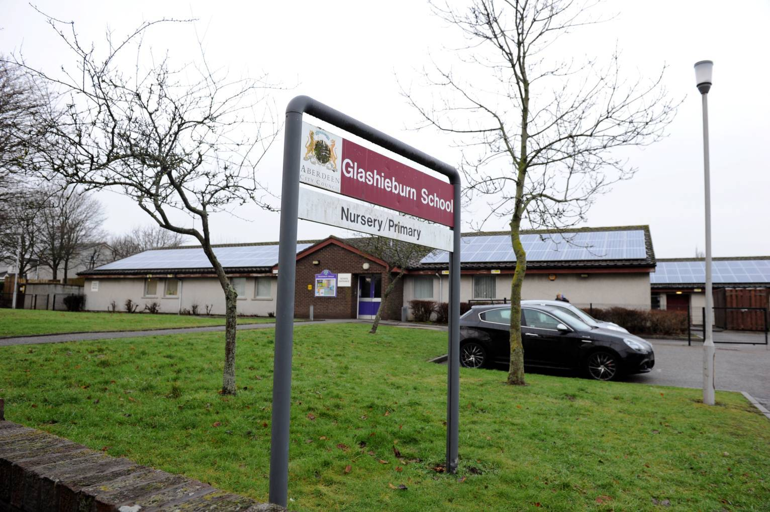 Glashieburn Primary School