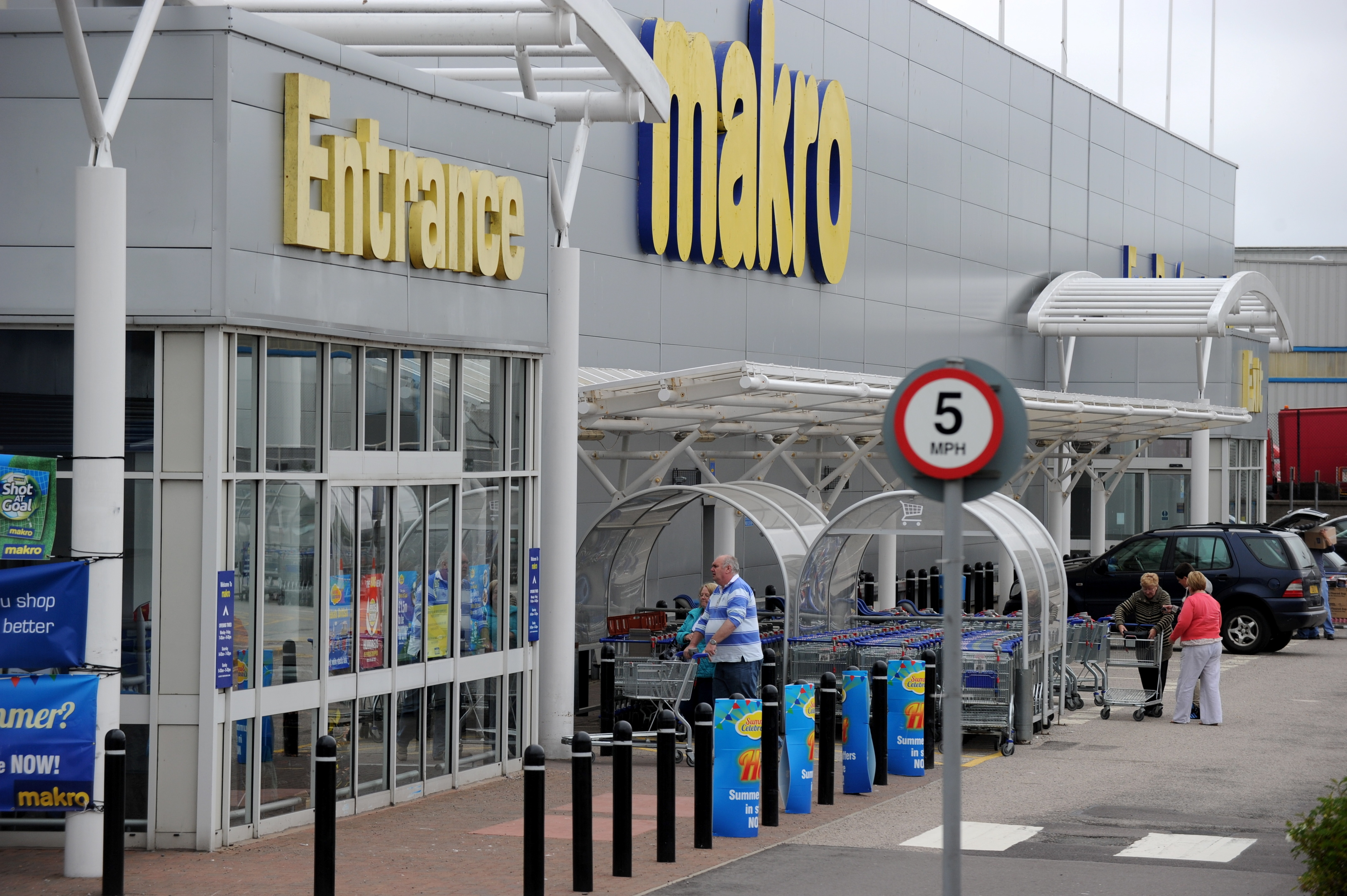 The supermarket would be created at the site of the Makro store in Nigg.