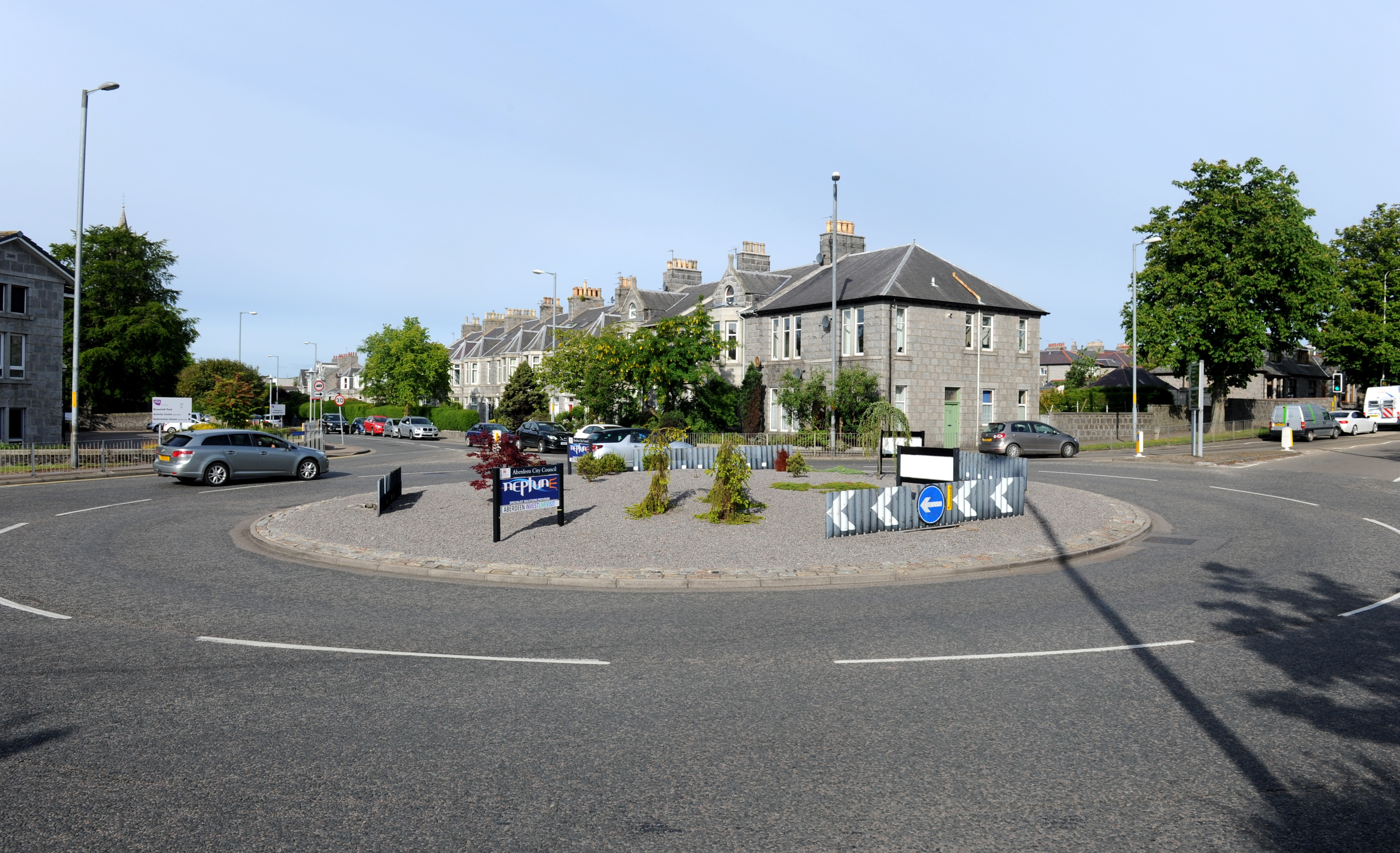 The spill is affecting the Broomhill roundabout.