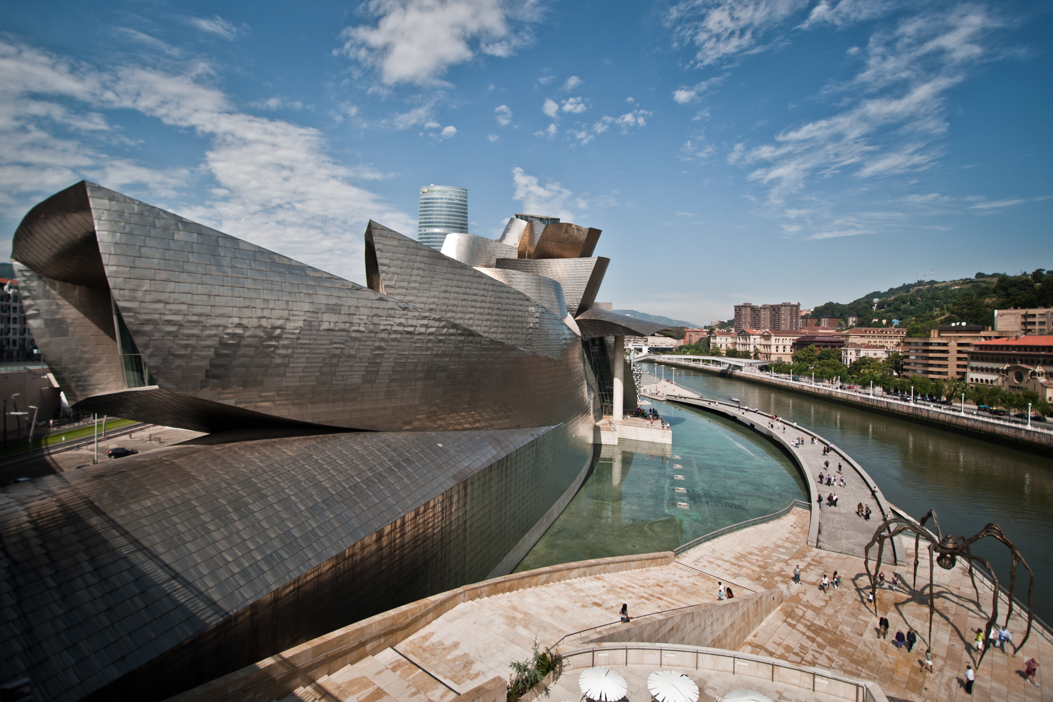 Transformation:  Guggenheim, Bilbao has successfully regenerated. picture by andrea clambra/flickr