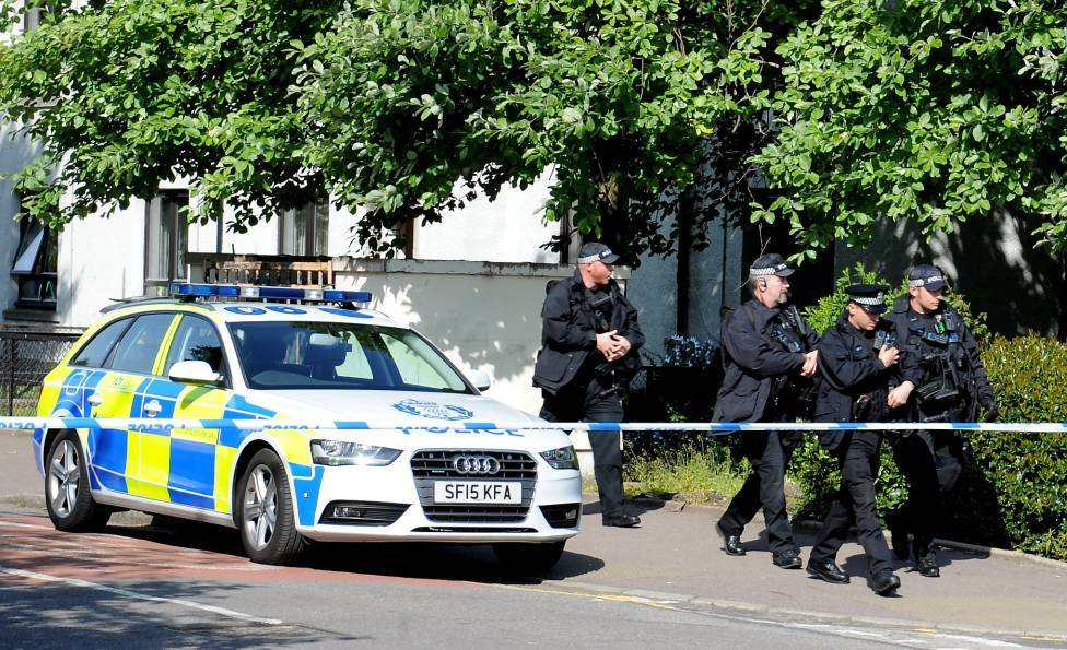 Armed police were called to the scene at Aberdeen's Froghall Terrace.