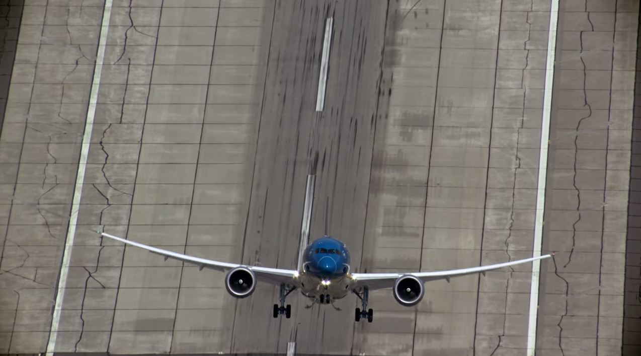 The 787-9 Dreamliner as it takes off.
