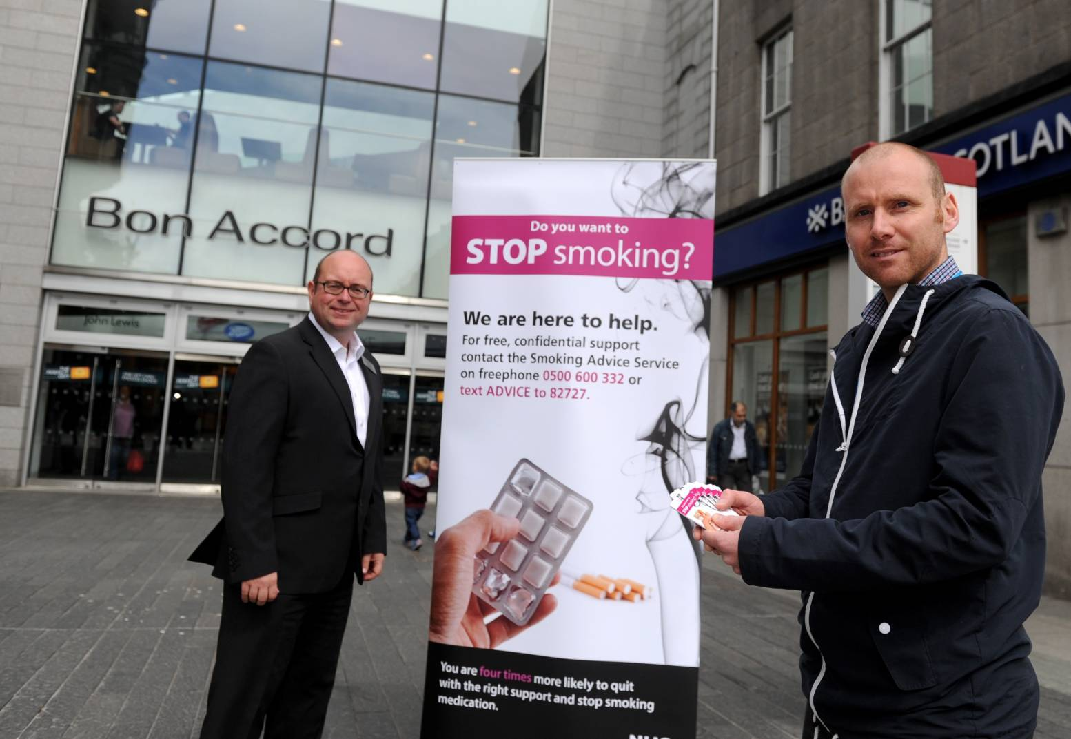 Bon Accord and St Nicholas Centre boss Craig Stevenson and NHS Grampian's Stuart Robbie launched the new smoking ban yesterday