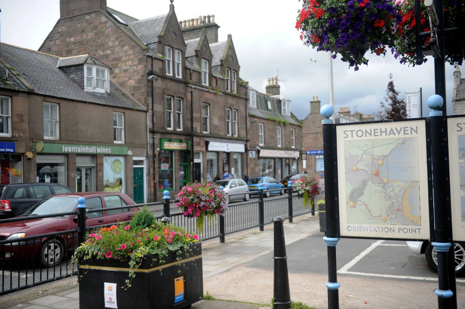 Reports commissioned by Aberdeenshire Council and Sluie Estate Trust over a planned store in Stonehaven disagree over the town centre impact.
