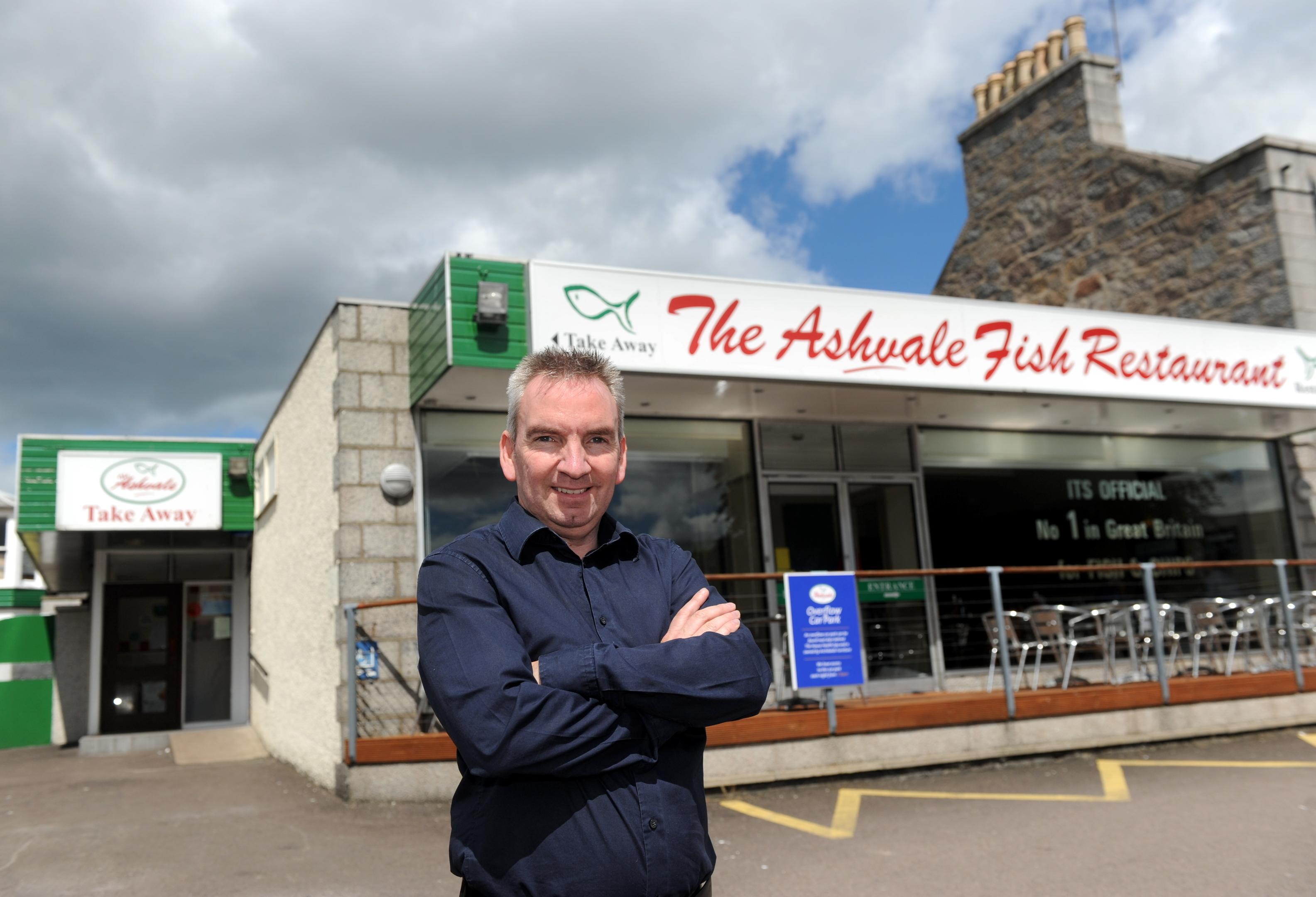 Stuart Devine  at The Ashvale in Aberdeen