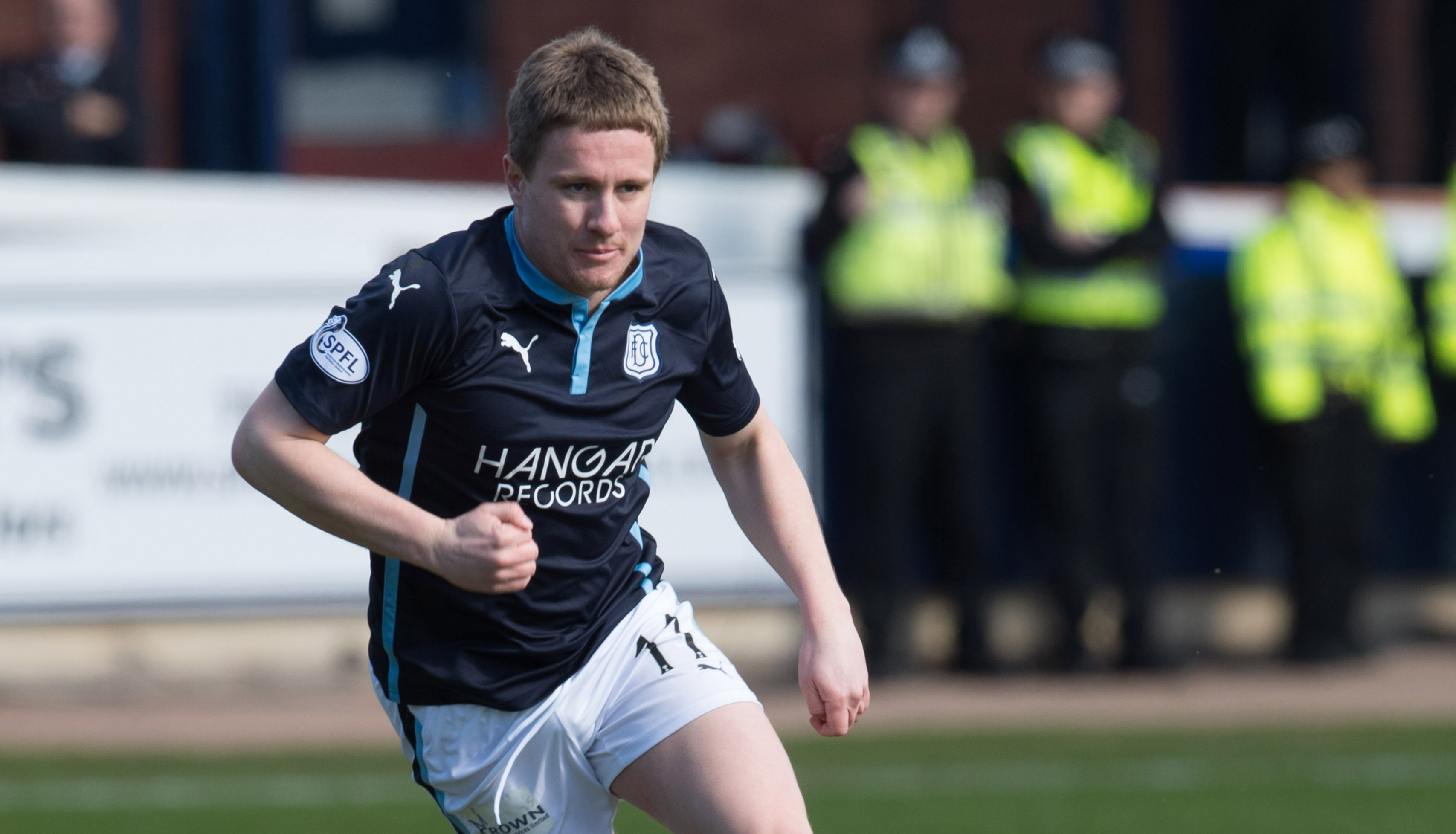 Simon Ferry in action for Dundee.