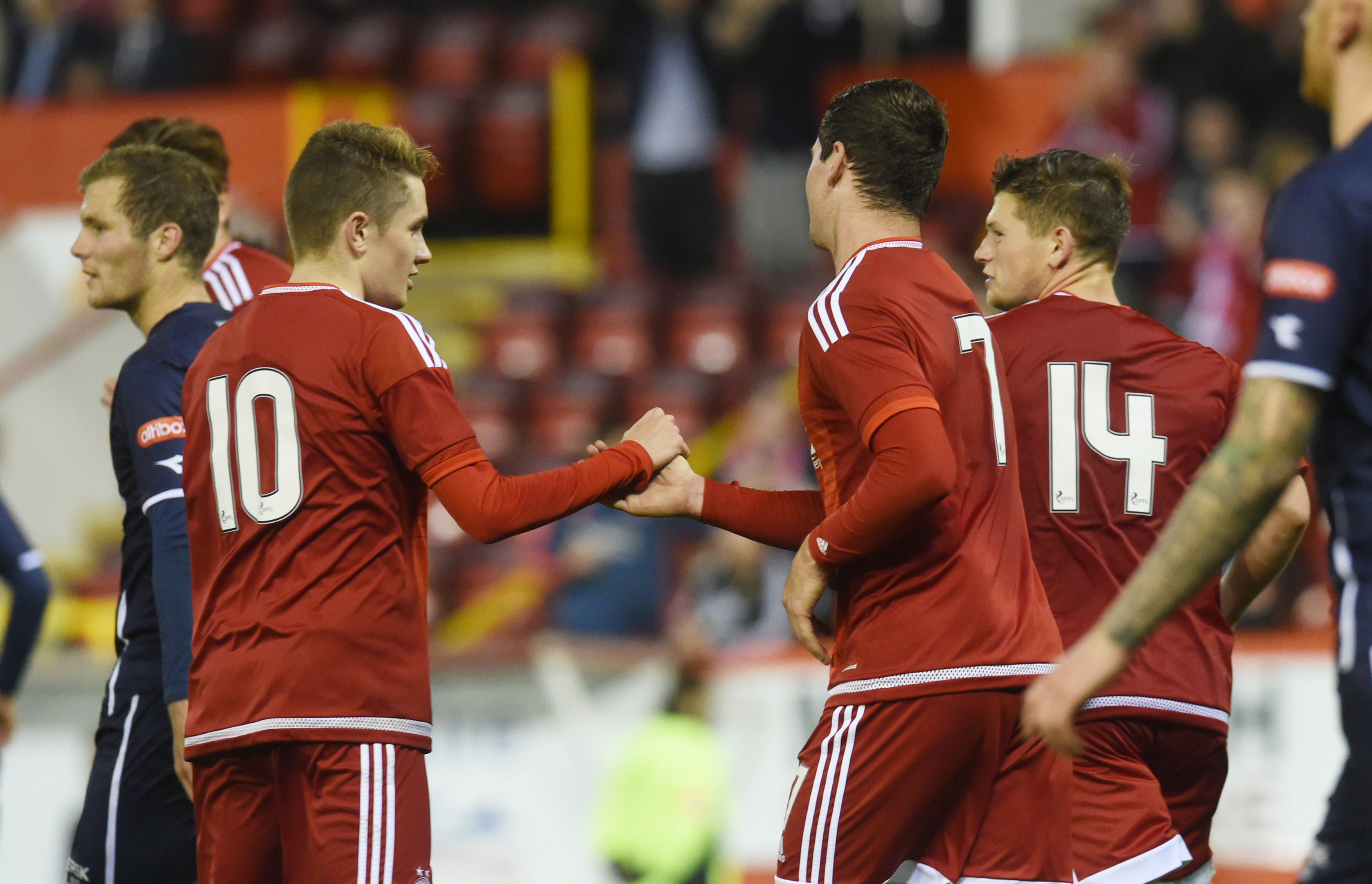 Aberdeen's Kenny McLean  celebrates after putting his side 2-1 up.