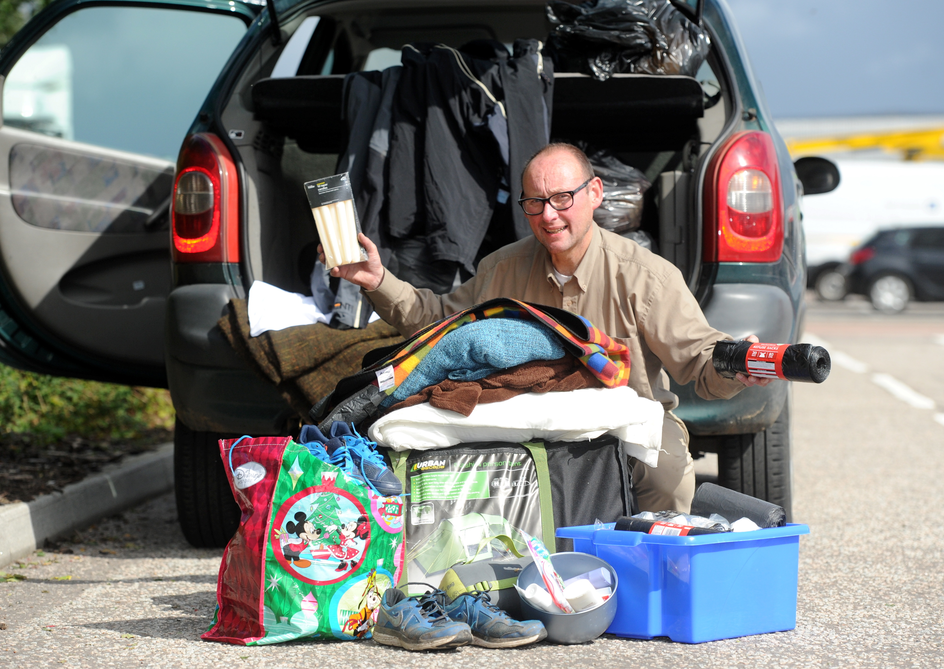 Nigel Lammas is collecting donations for refugees in Calais.
