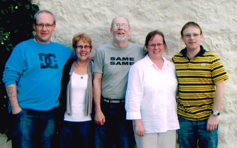 From left, brother Peter, mum Frances, dad Wull, Kerri and brother Tommy. Inset, Kerri with cousin Sarah Gill.