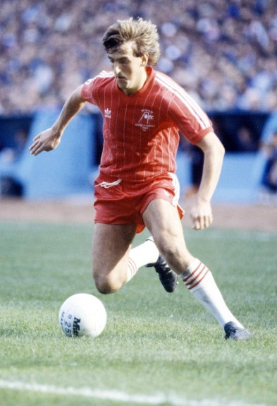 Aberdeen's Peter Weir in action.