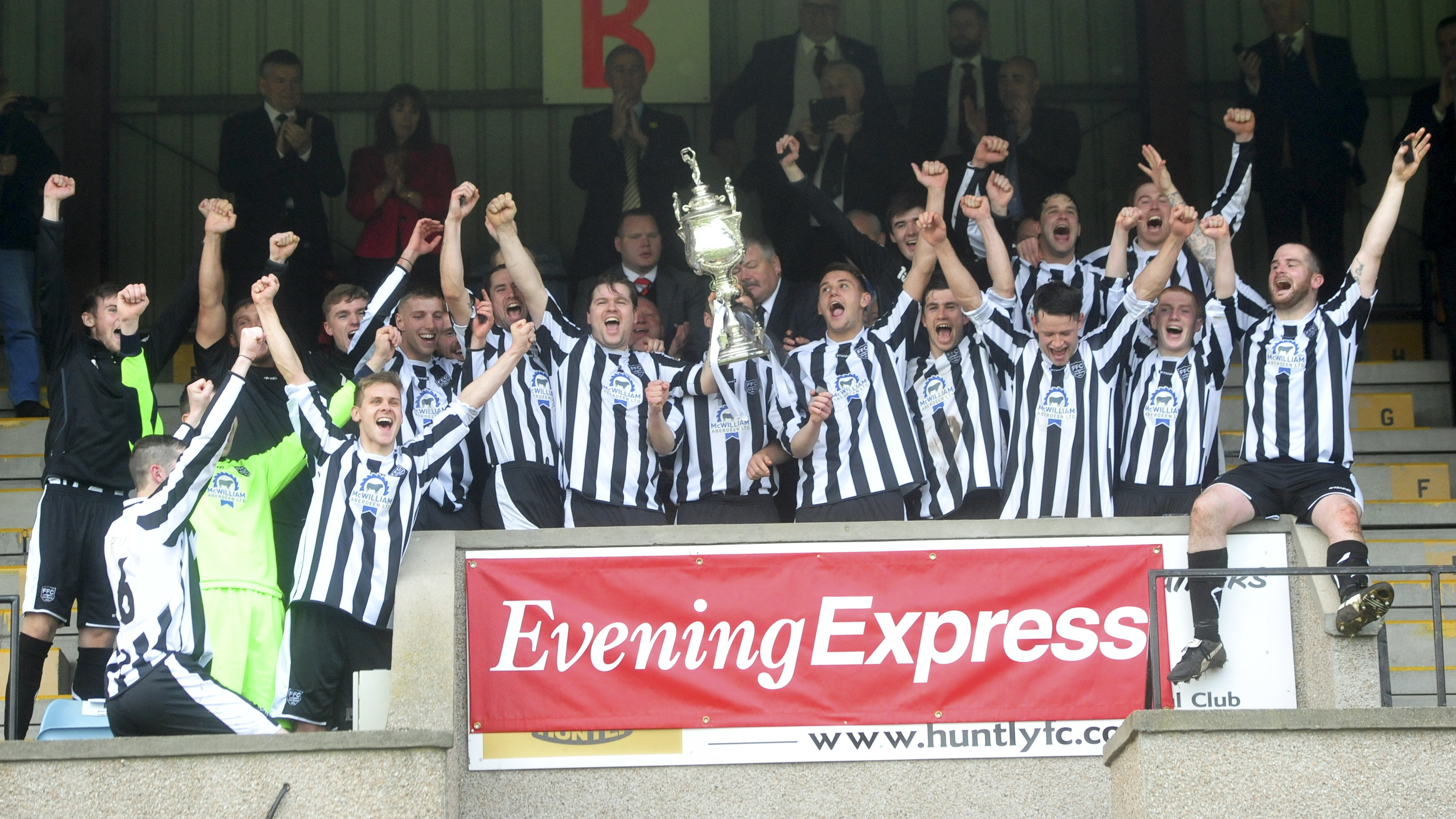 Fraserburgh celebrate with the Evening Express Aberdeenshire Cup  at Christie Park, Huntly.   pictures by heather fowlie