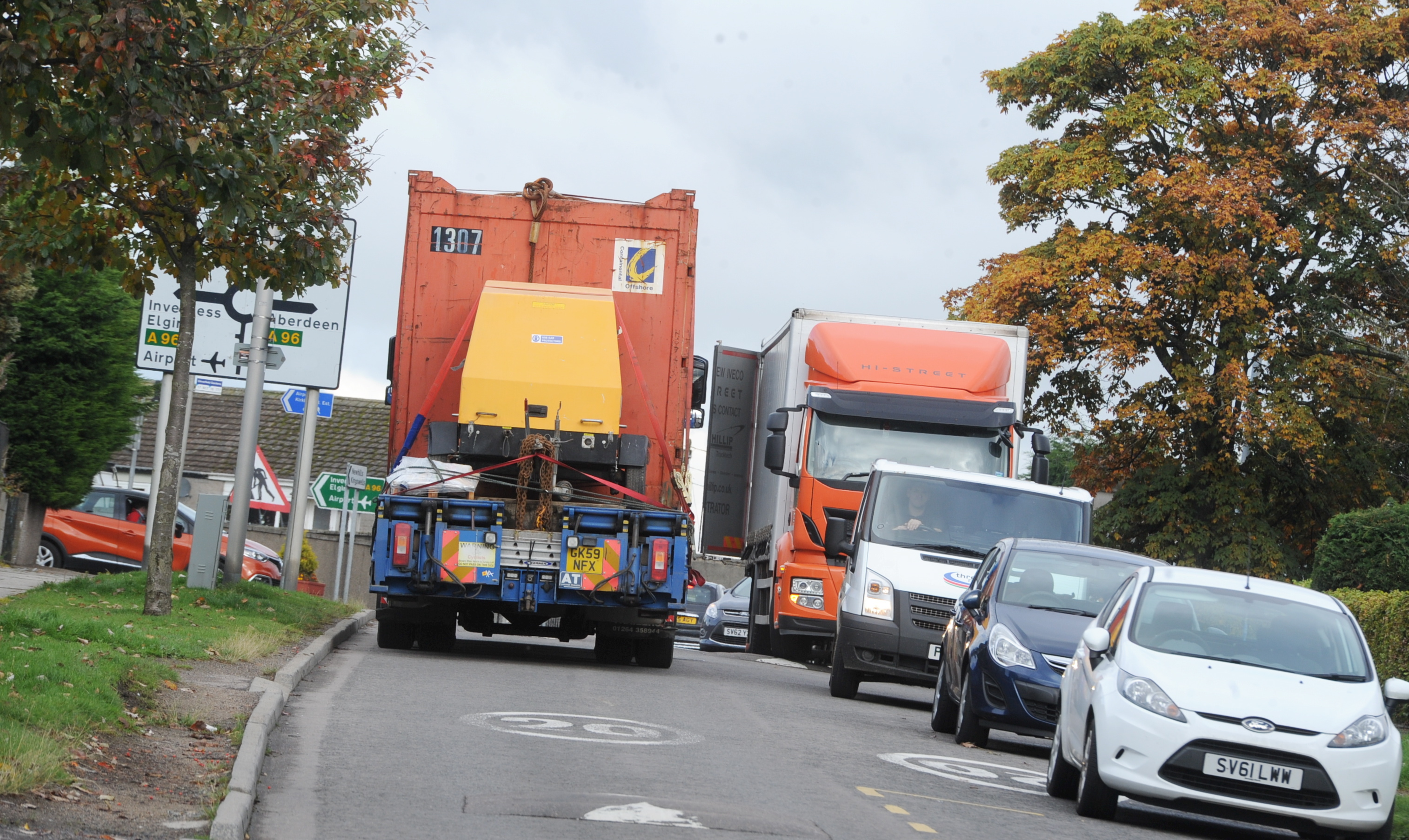 Residents are concerned about lorries on Sclattie Park.