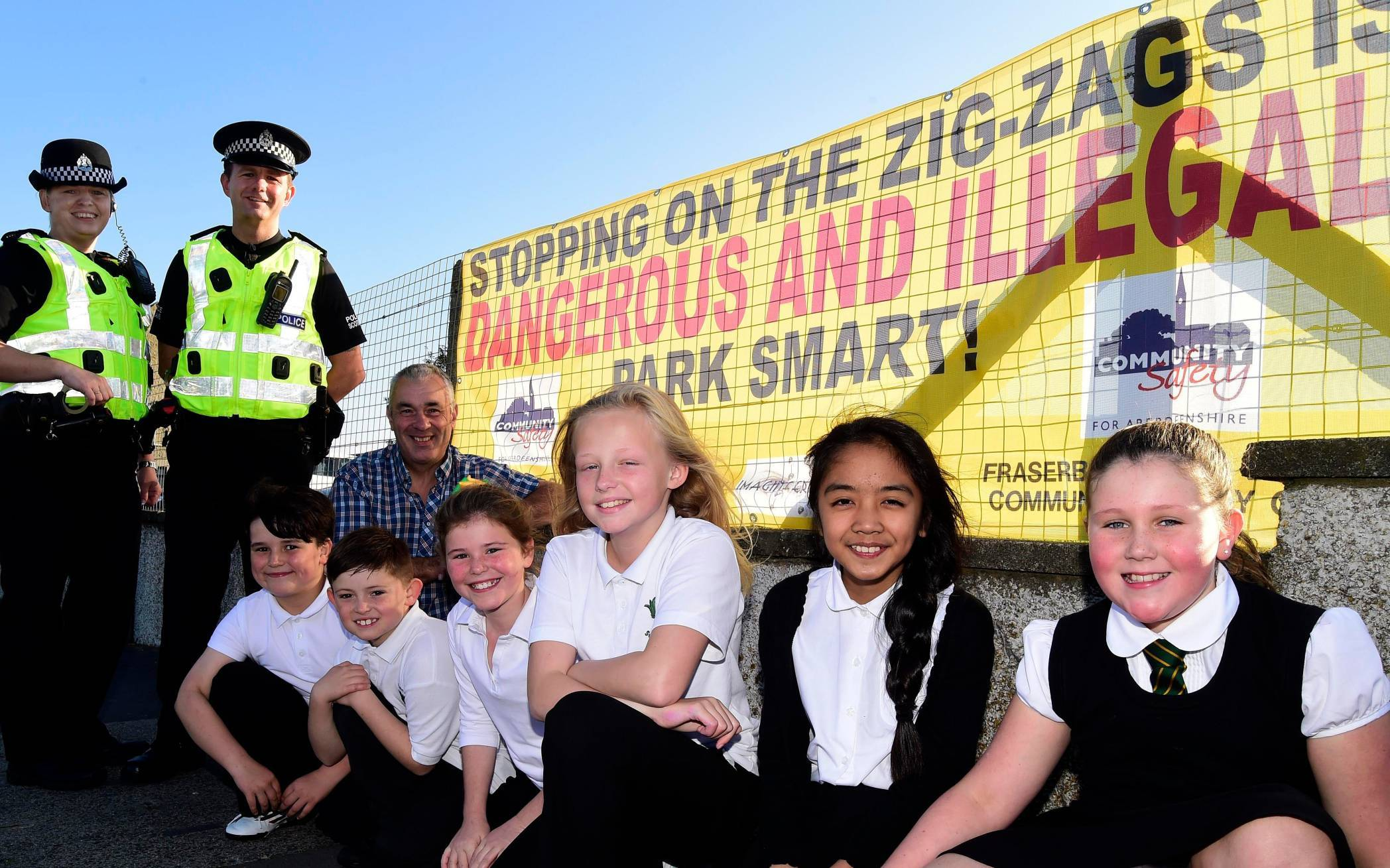 Pc Julie Galloway and Pc Wayne Bedford with Brian Topping and South Park pupils Zak Harvey, Ryan Masson, Beth Ross, Isla Stephen, Jasmine Walker and Morgan Reid.