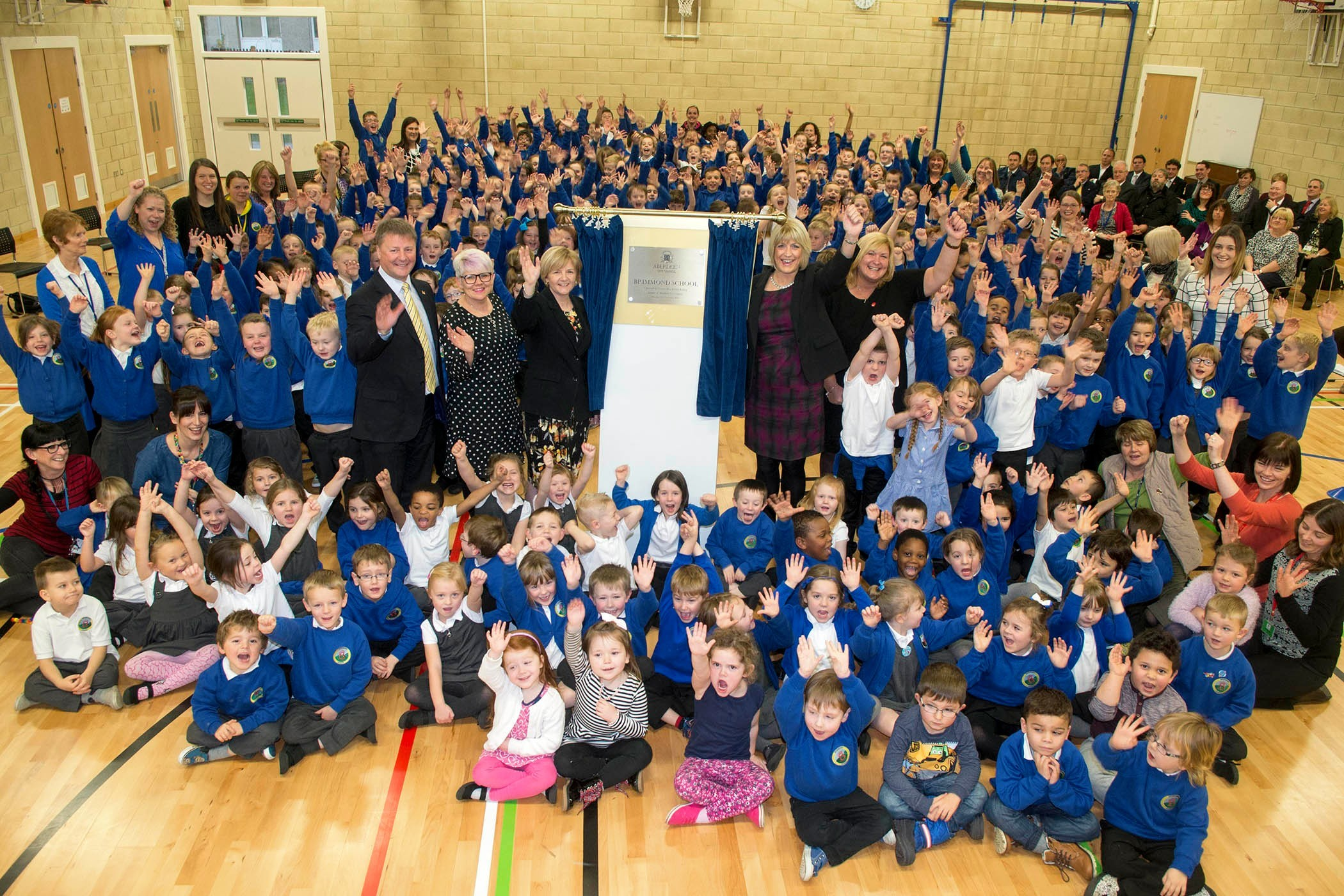 Aberdeen City Council leader  Jenny Laing visited  Brimmond School.