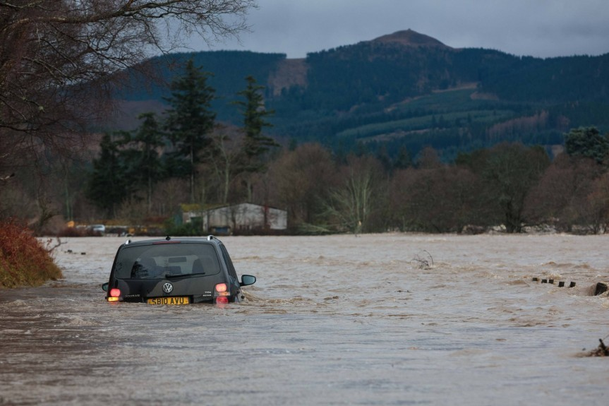 Storm Frank hits the North-east. Pictures by Derek Ironside and Ross Johnston, Newsline Media.