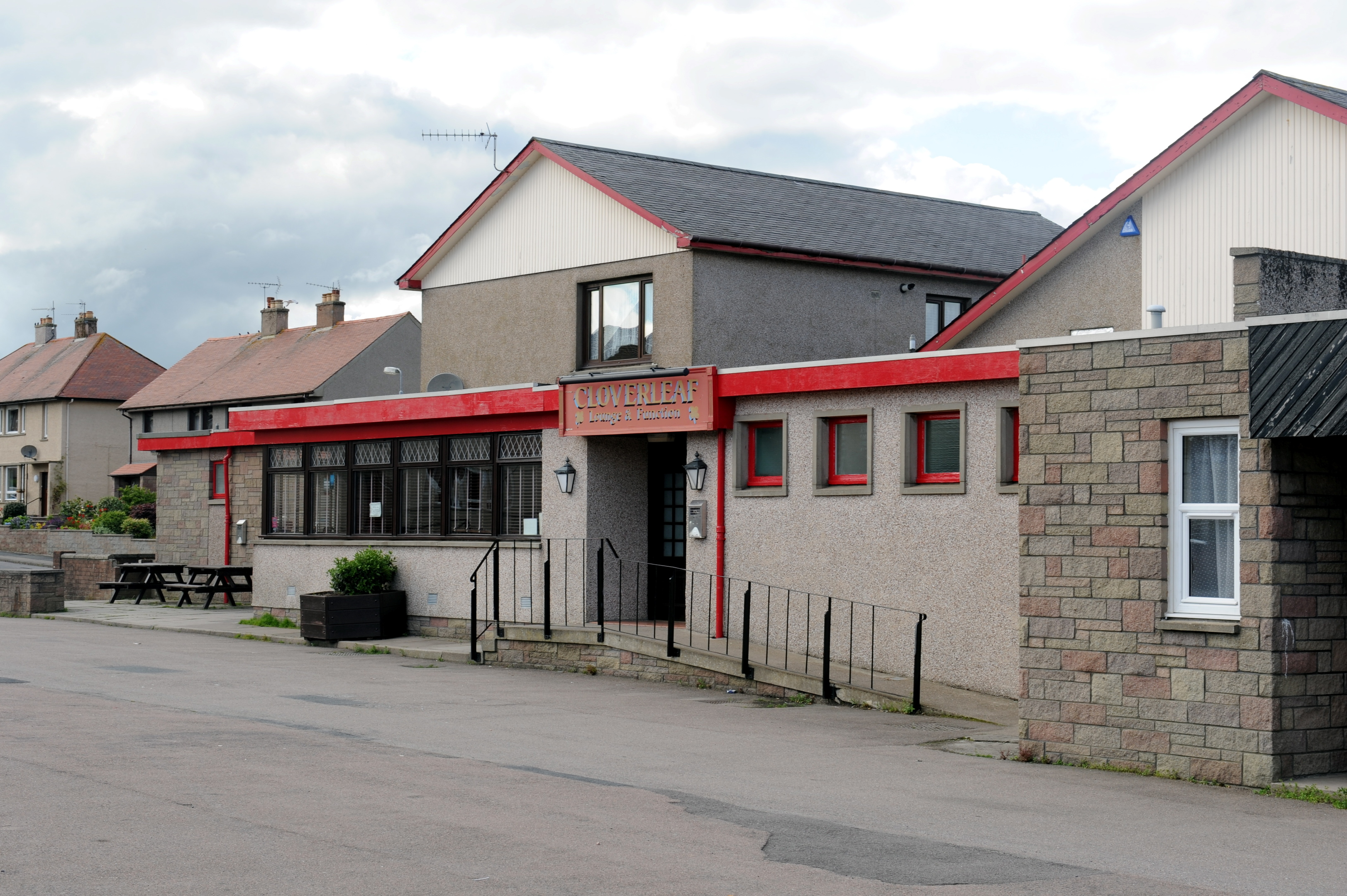 The Cloverleaf in Bucksburn has shut for the final time and is to be demolished to make way for 68 flats.