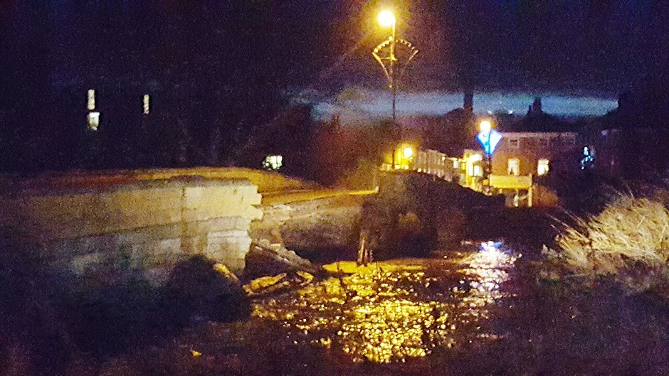 Tadcaster Bridge near York collapses