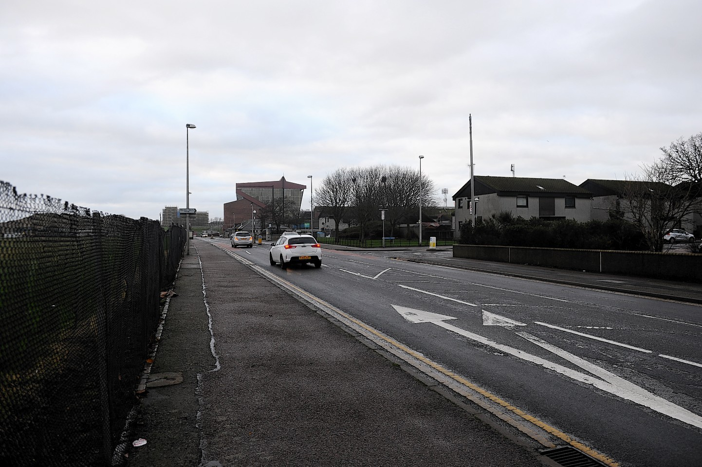 Golf Road will be shut temporarily for road resurfacing works