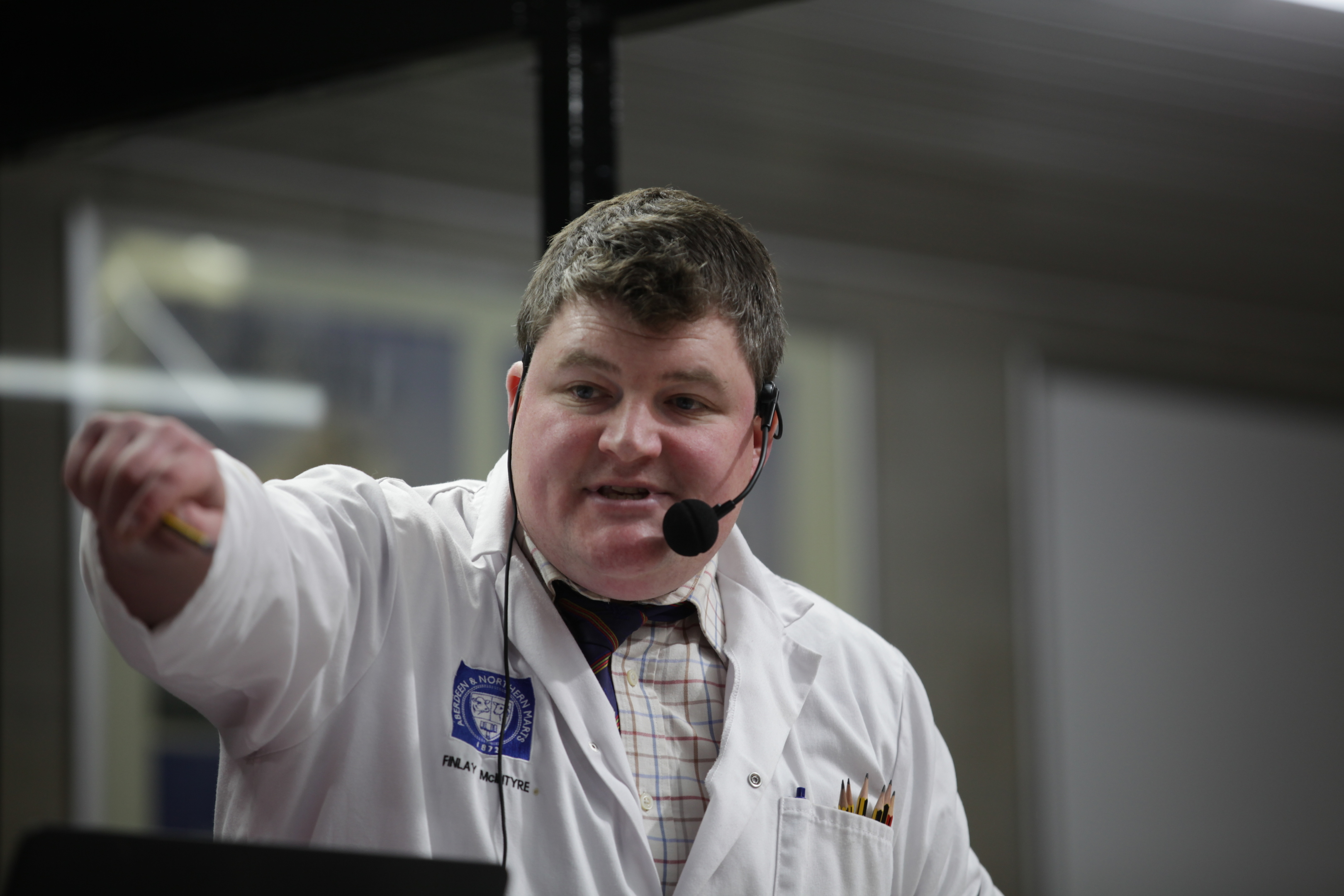 Auctioneer Finlay McIntyre in action on tonight's episode.
