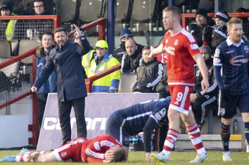 Aberdeen Manager Derek McInnes (left) appeals