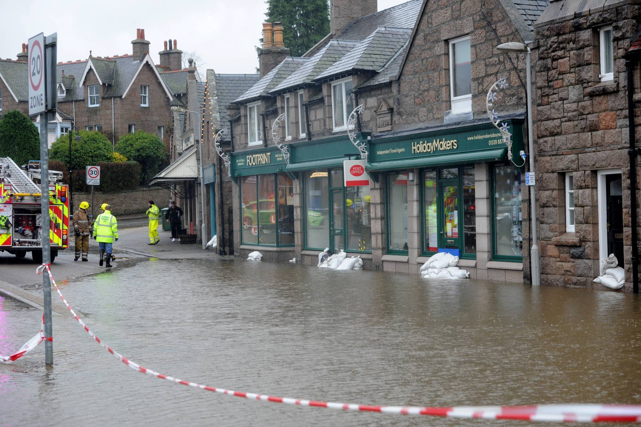 Flooding in Aboyne, near the Square.