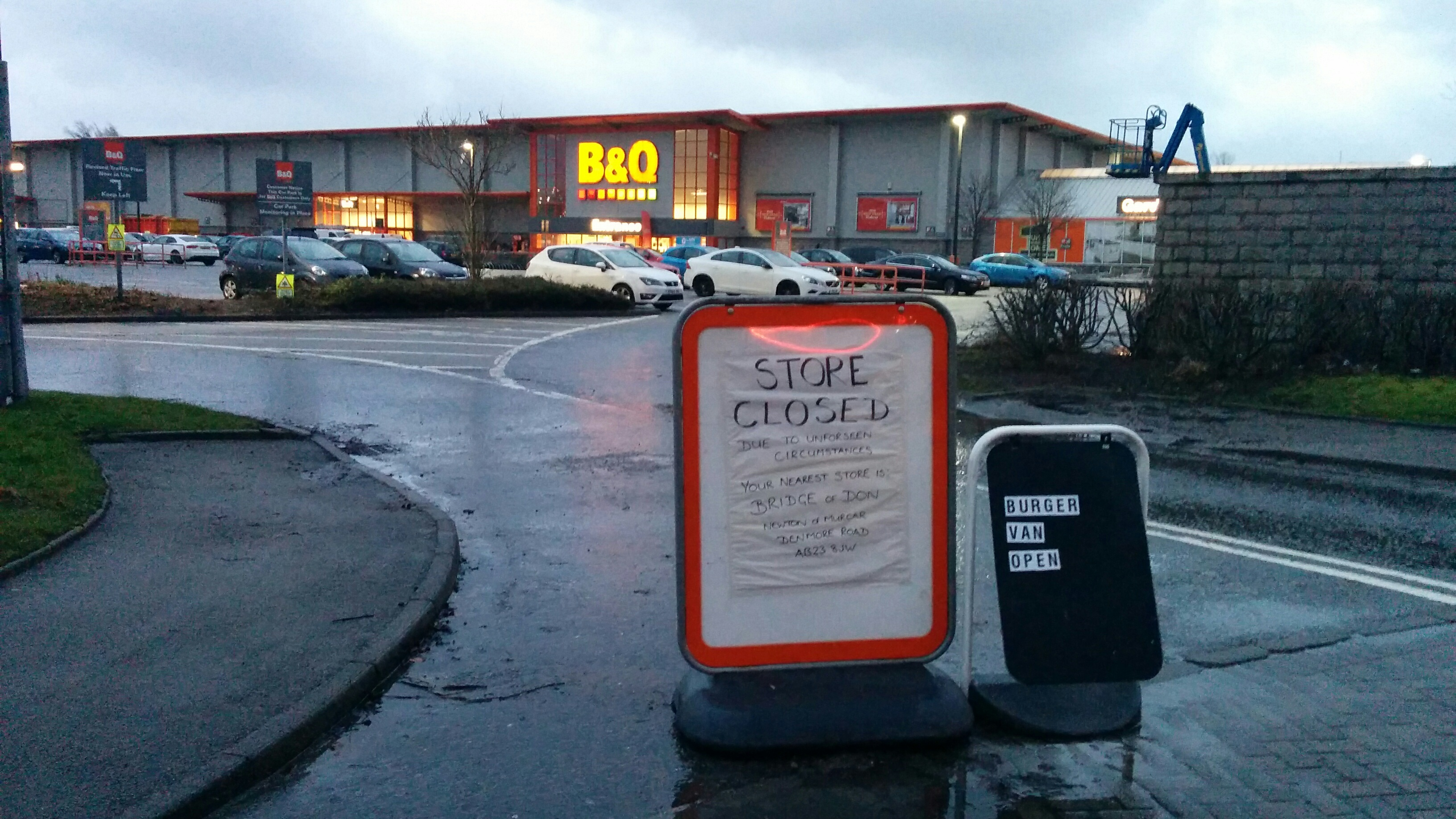 B&Q at Garthdee has been closed
