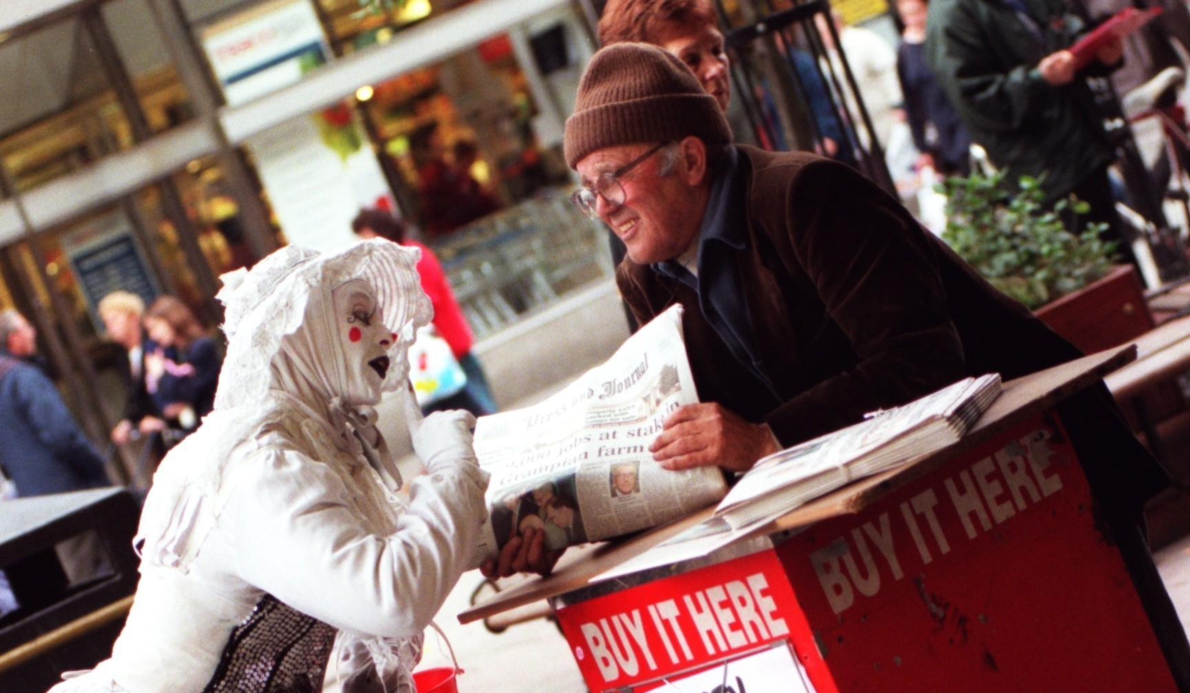 Mime artist 'Squeak' with vendor David Thomson in days gone by