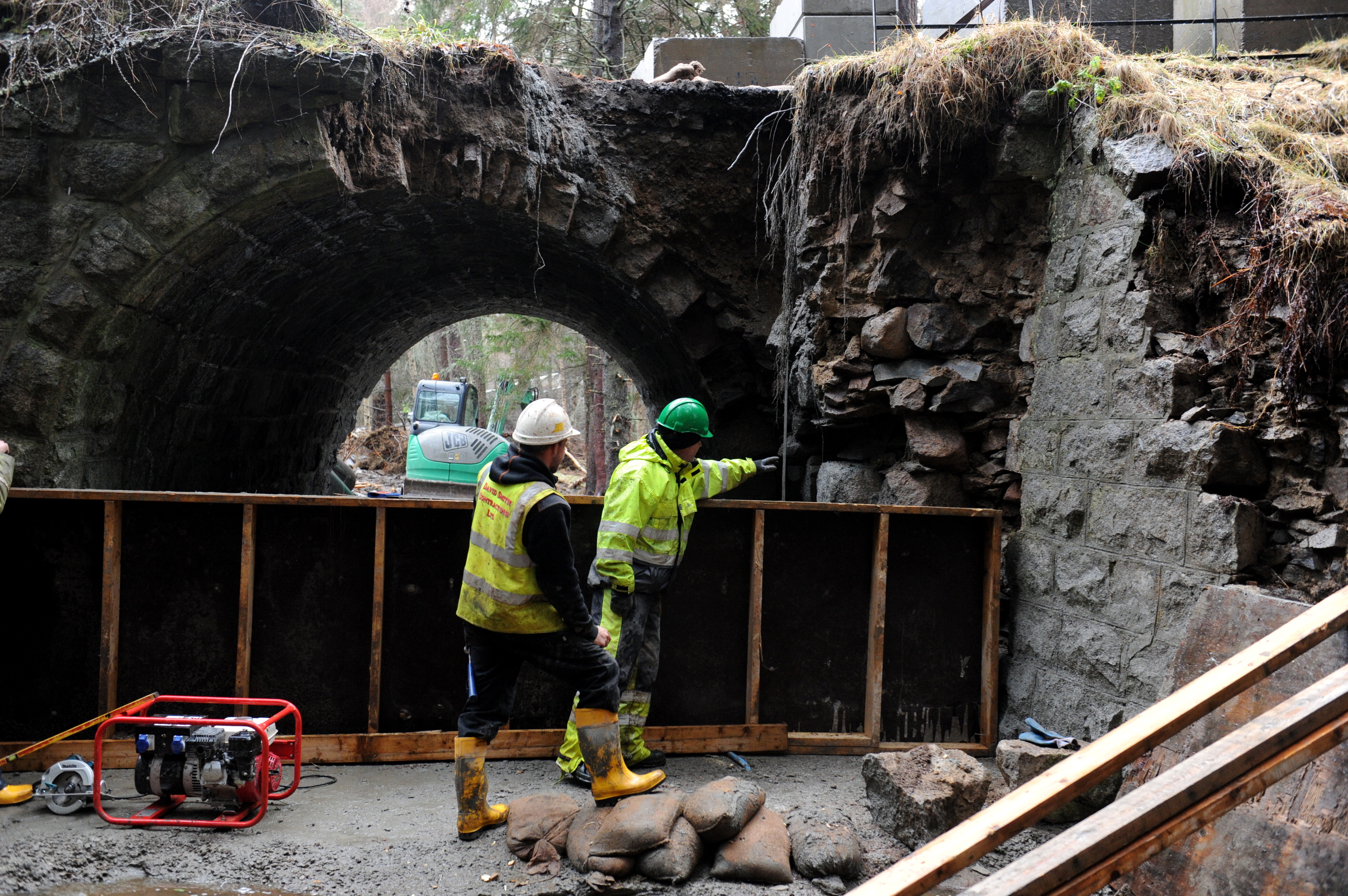 Workmen at the Bridge near Braemar.