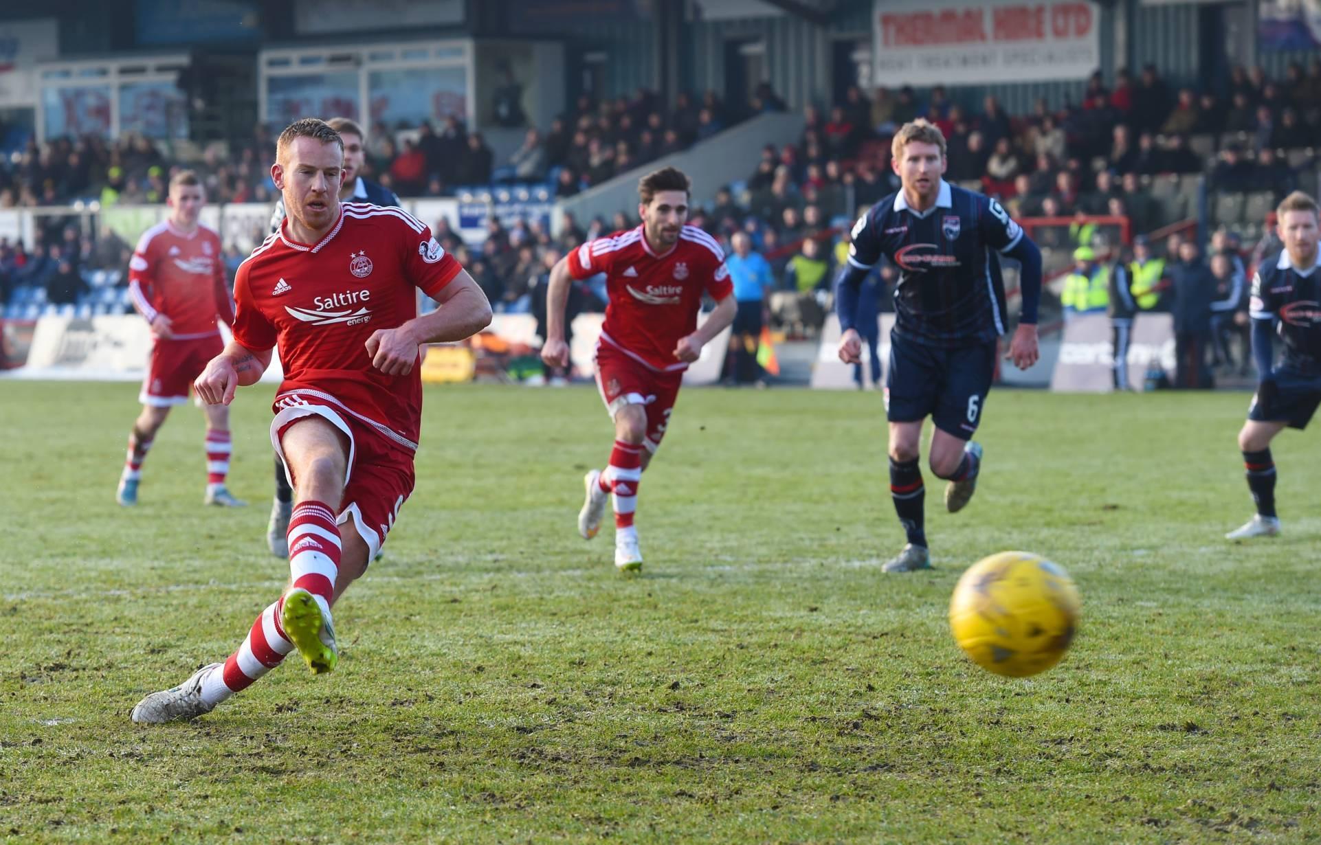 Adam Rooney score's Aberdeen's first goal