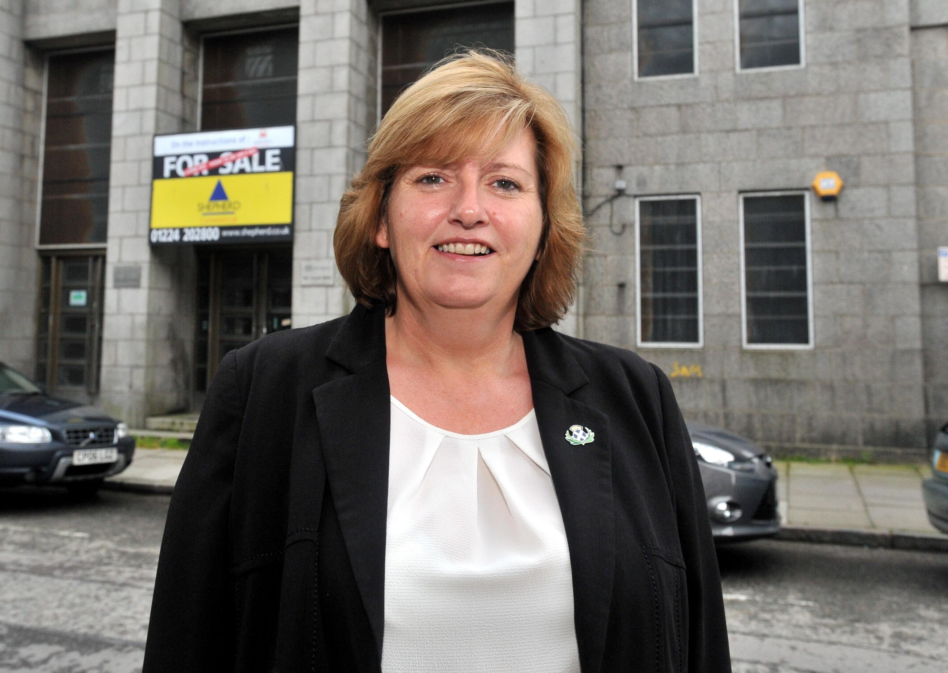 Councillor Jackie Dunbar has criticised Labour's spending.