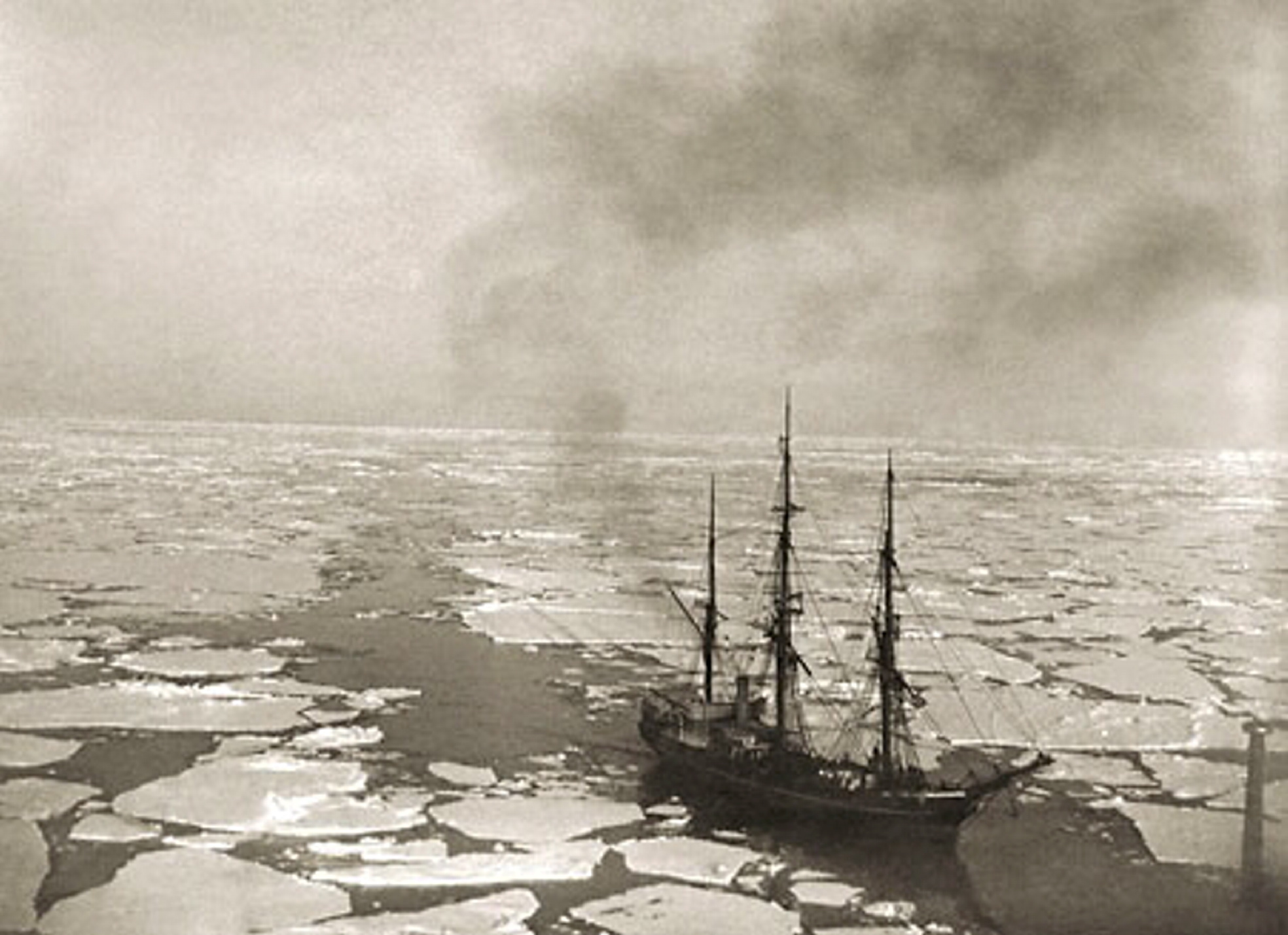 An image from Aberdeen Universities Special Collections of William Clark Souters' trip to Antarctic in 1903-1904.