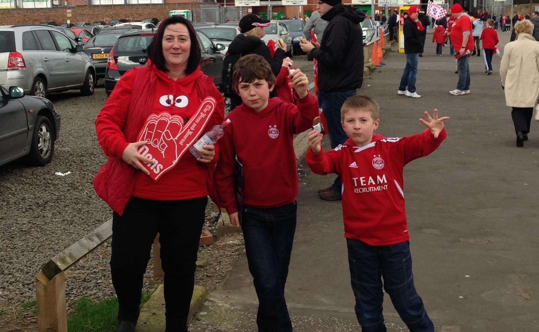 Caroline Thomson with sons Callum and Robbie.