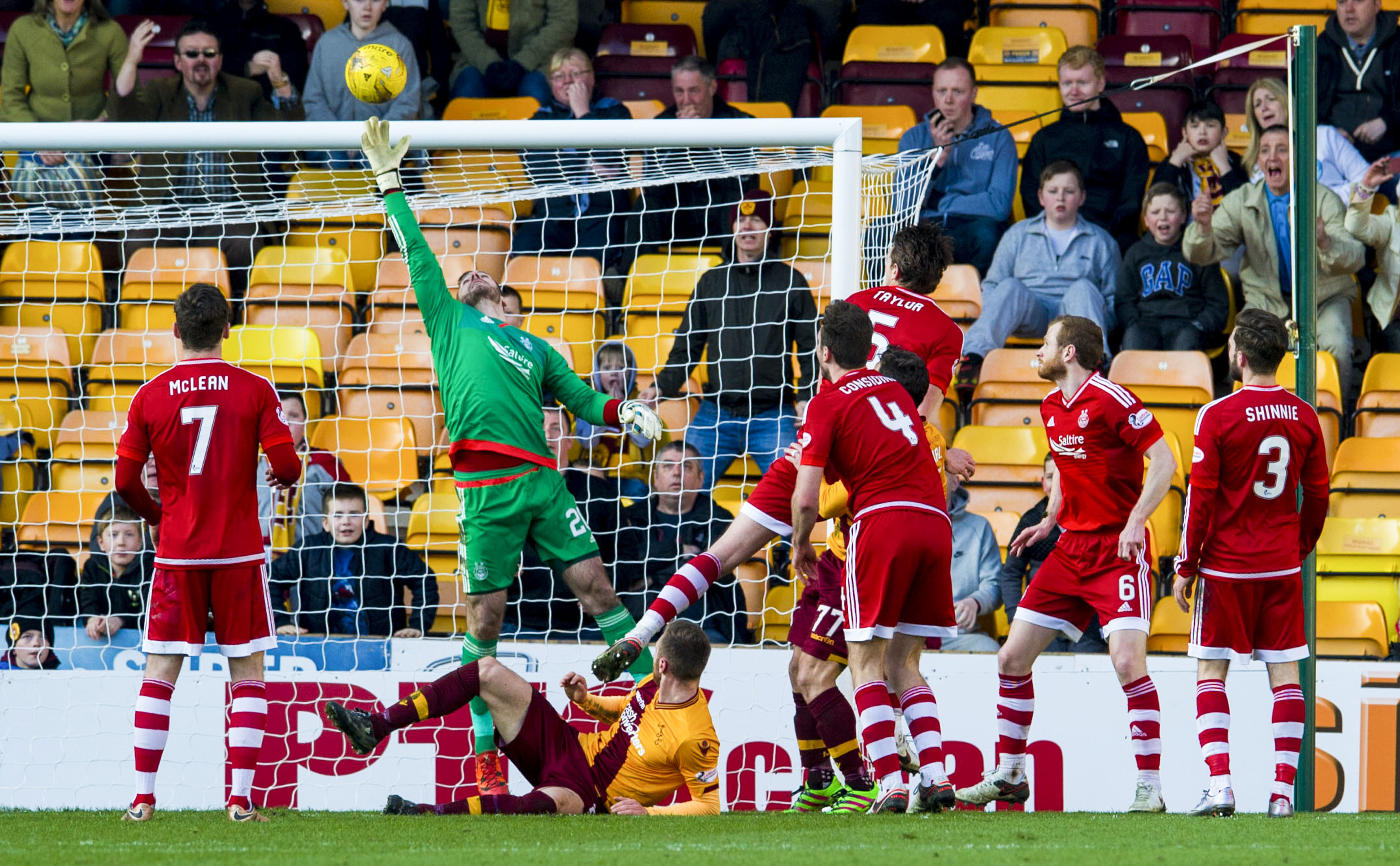 Motherwell's Scott McDonald scores an equaliser for his side