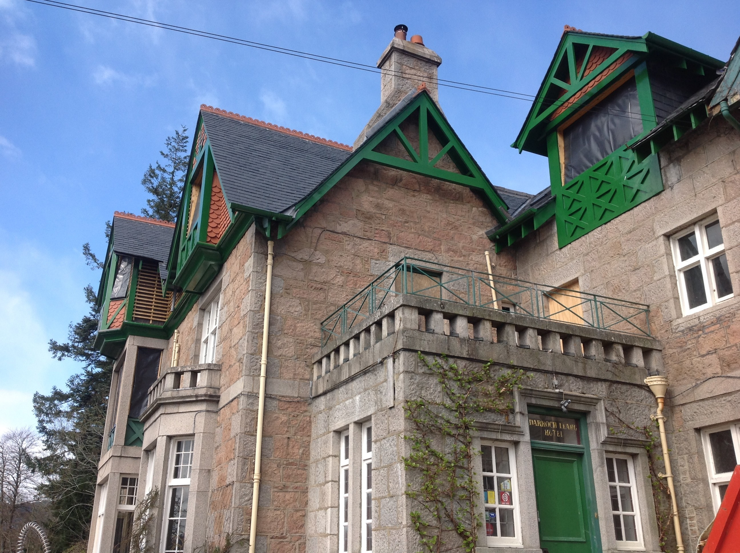 The Darroch Learg Hotel should  reopen later this year.