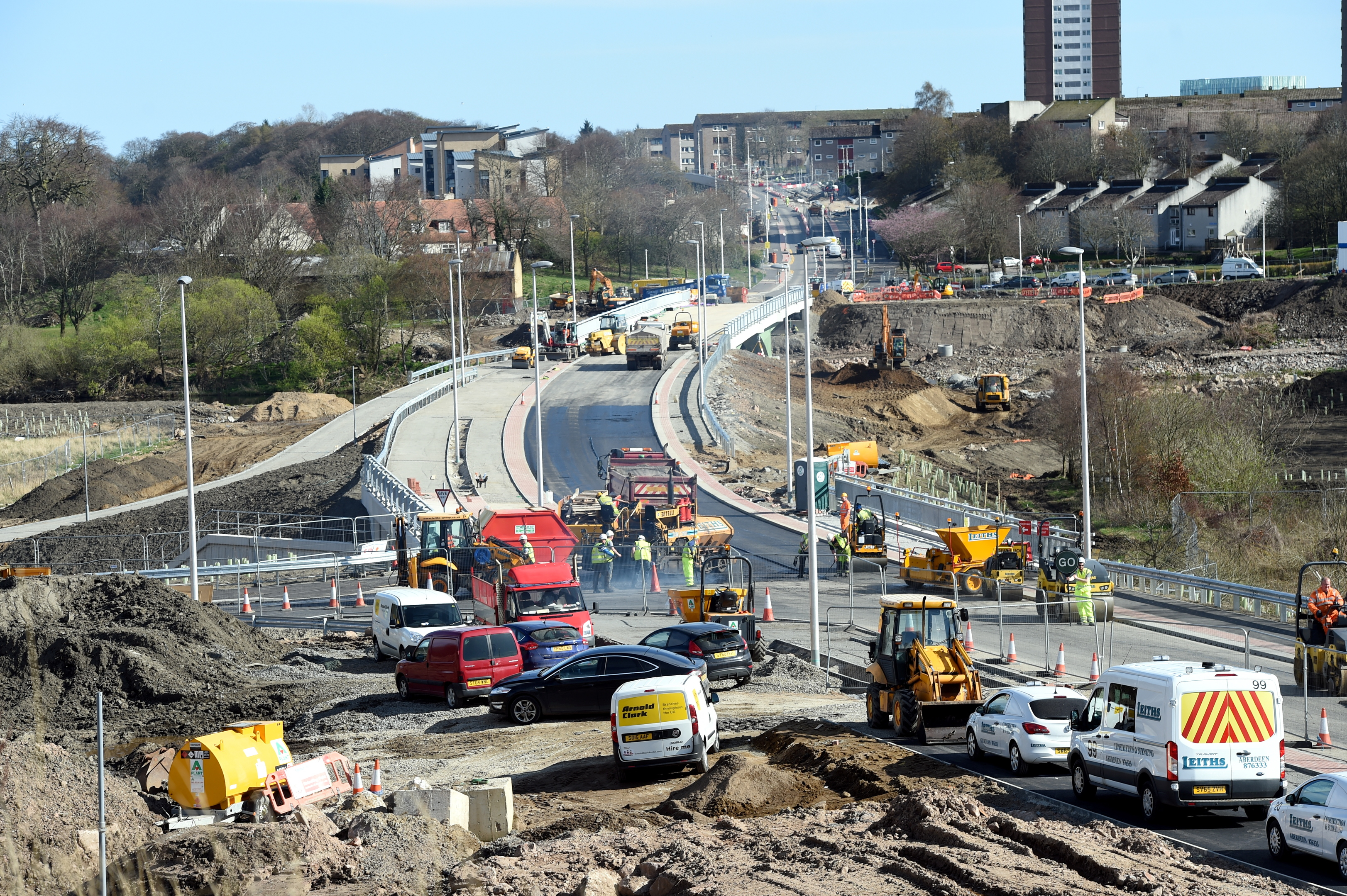 Work under way on the Third Don Crossing.
