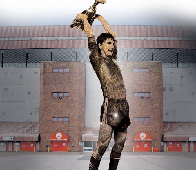 A call has been made to create a statue of Dons legend John Hewitt.