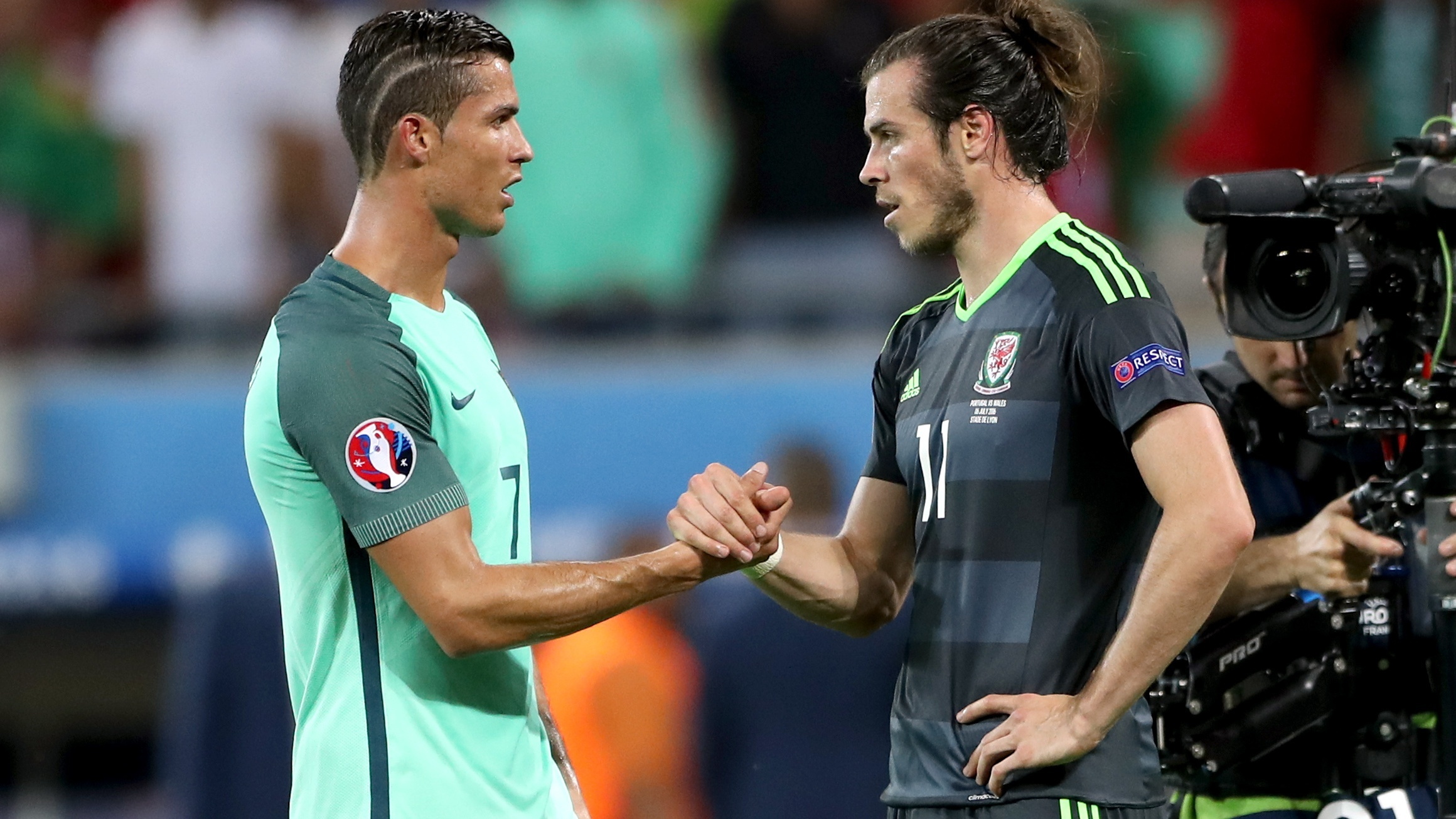 Cristiano Ronaldo and Gareth Bale shake hands (Nick Potts/PA)