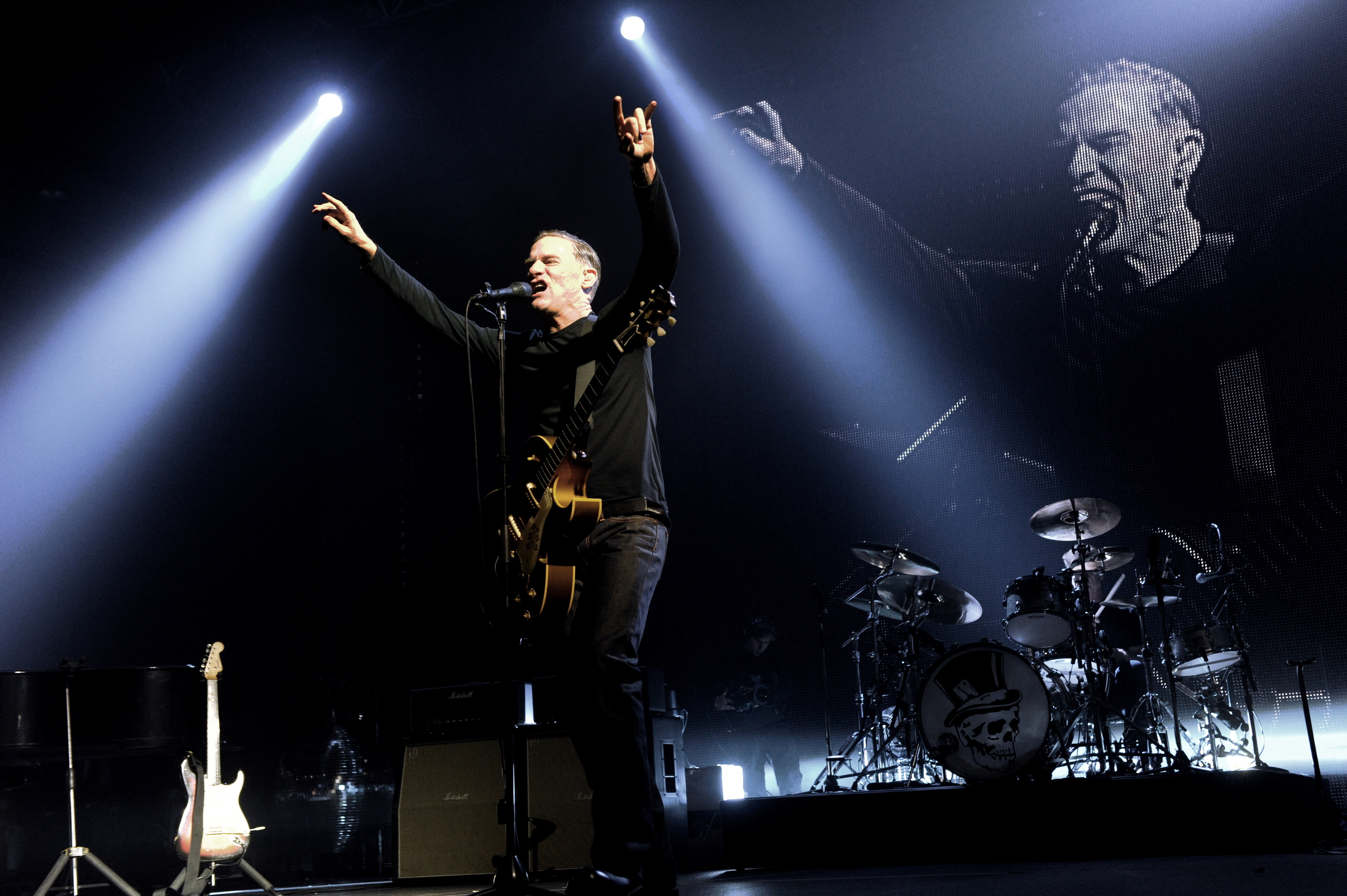 Entertainer: Bryan Adams