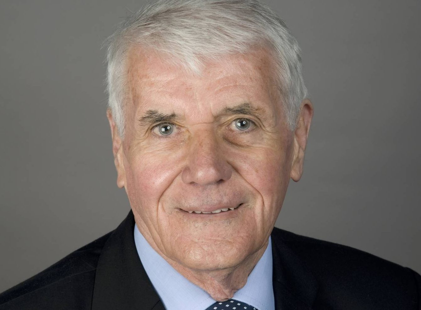 Councillor Ian Gray has passed away after a long illness.