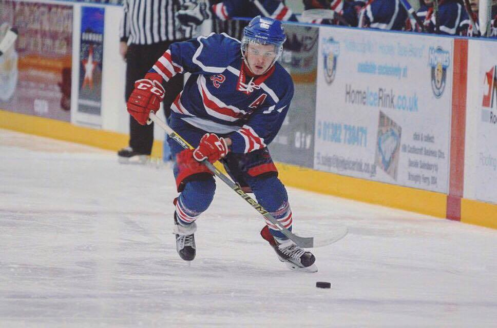 Lewis in action for the Dundee Comets.