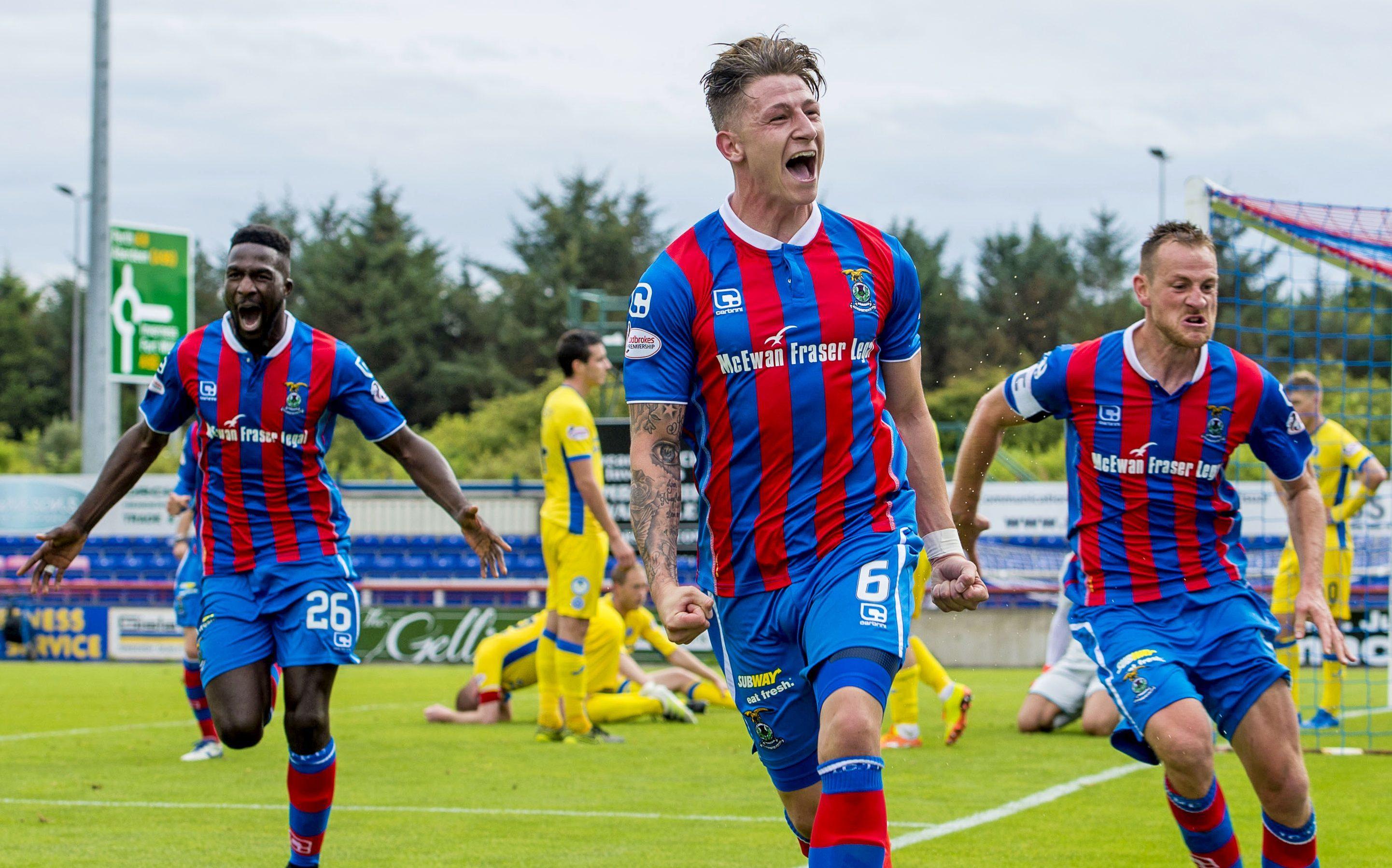 Josh Meekings, centre,  scored the winner   against St Johnstone.