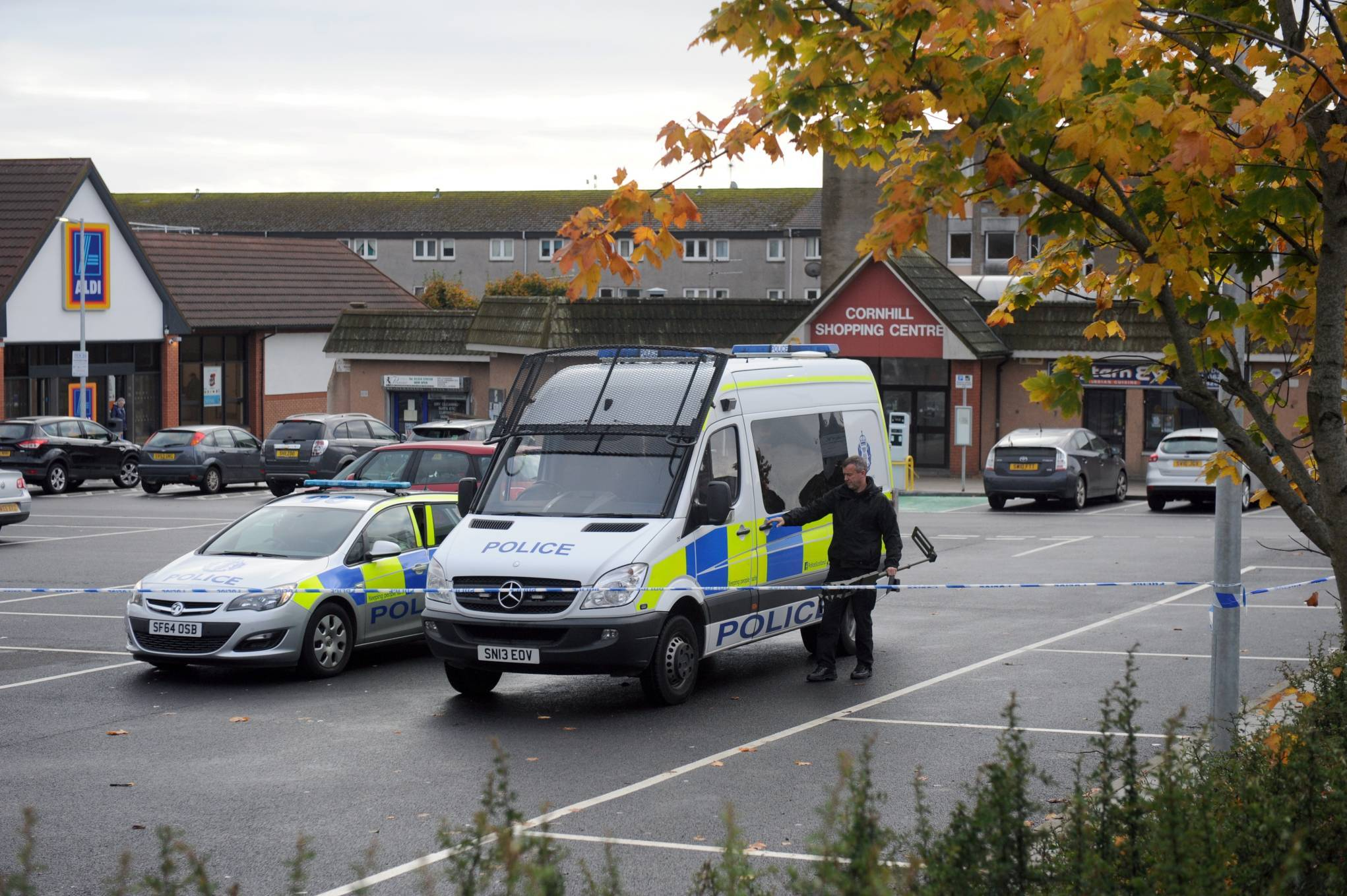 Aldi, Forresterhill.19th October 2016.Picture by KATH FLANNERY