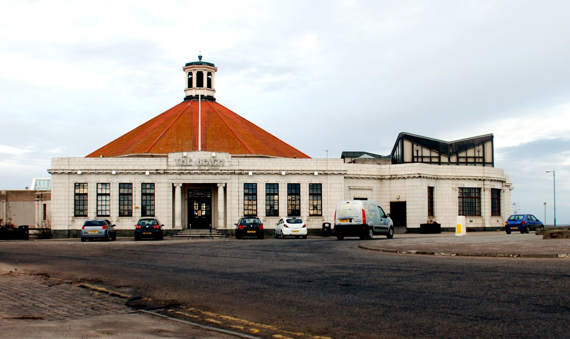 Aberdeen's Beach Ballroom is to have safety rails installed at the main entrance.